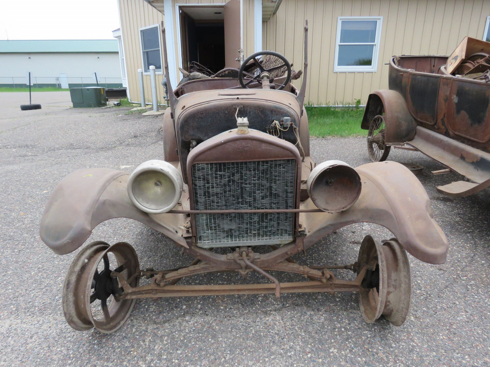 1911 Ford Model T Roadster Pickup for Project or Parts - Image 2