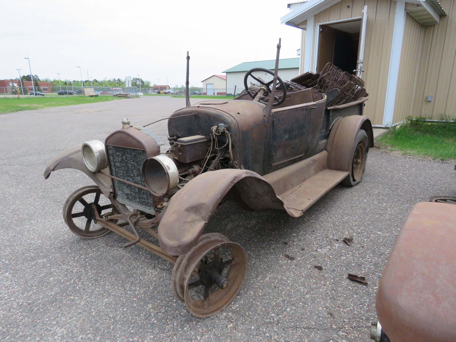 1911 Ford Model T Roadster Pickup for Project or Parts - Image 3