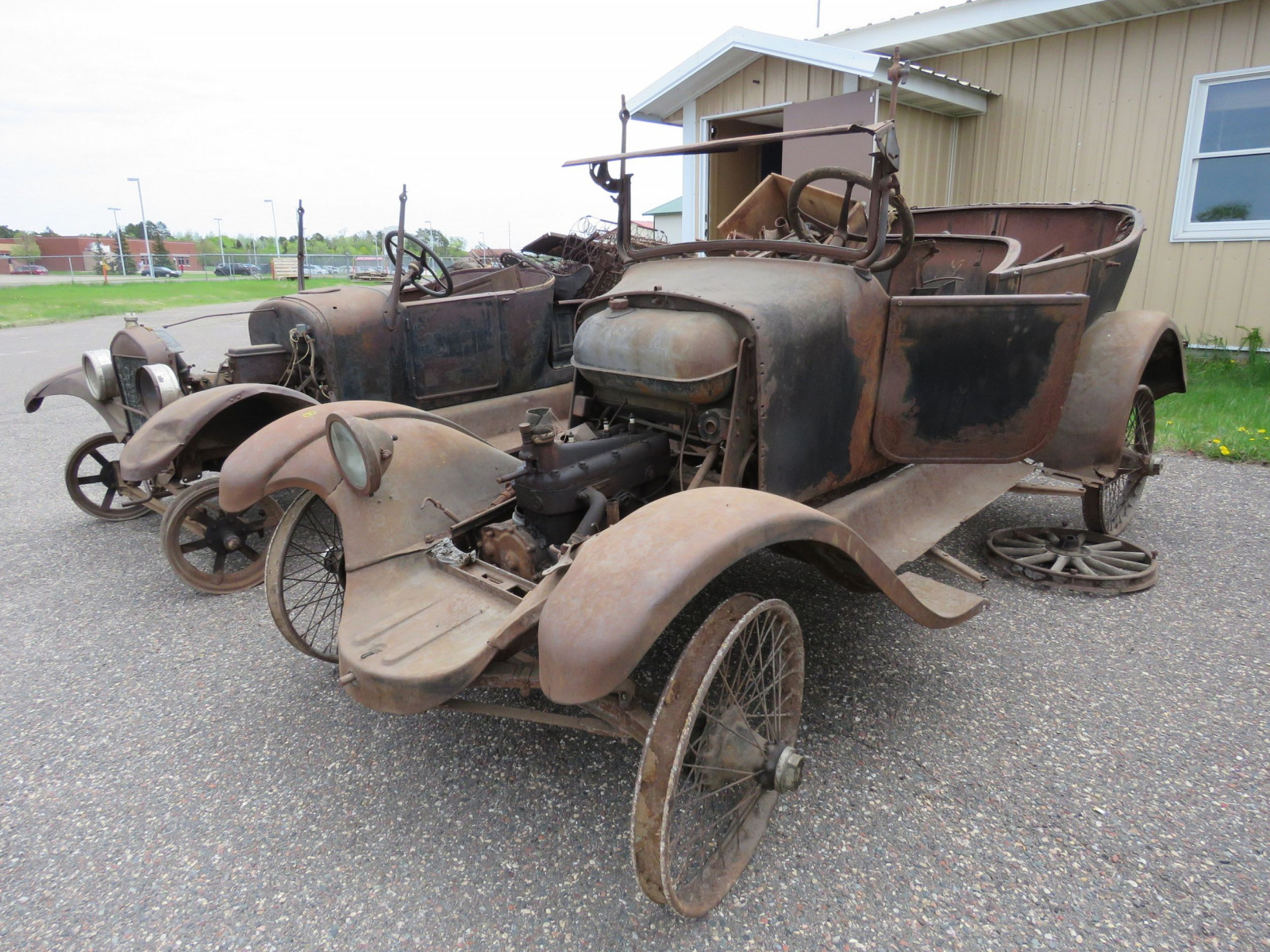 1925 Overland Touring Car for Project or Parts - Image 1