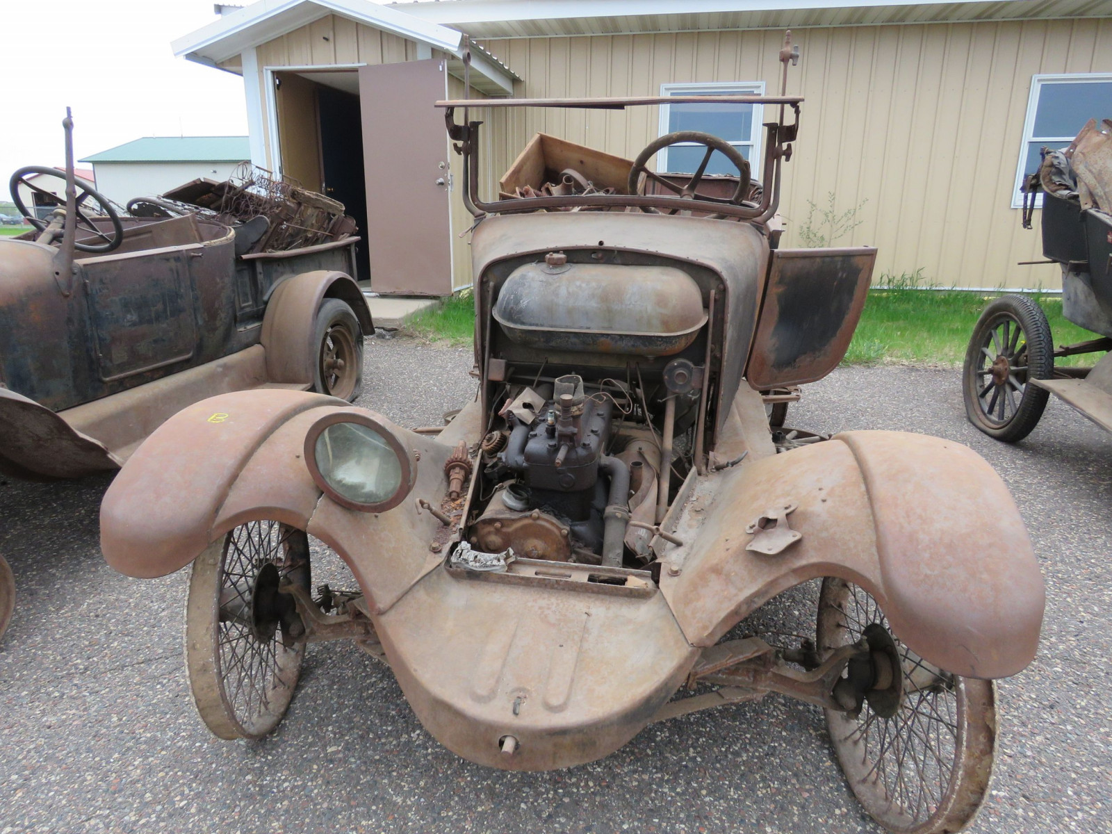 1925 Overland Touring Car for Project or Parts - Image 2