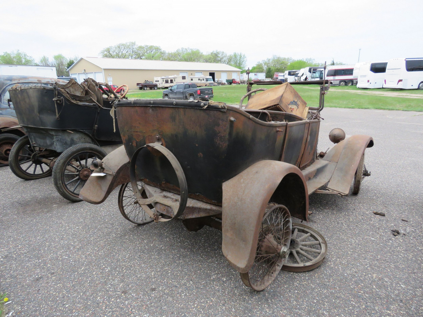 1925 Overland Touring Car for Project or Parts - Image 4