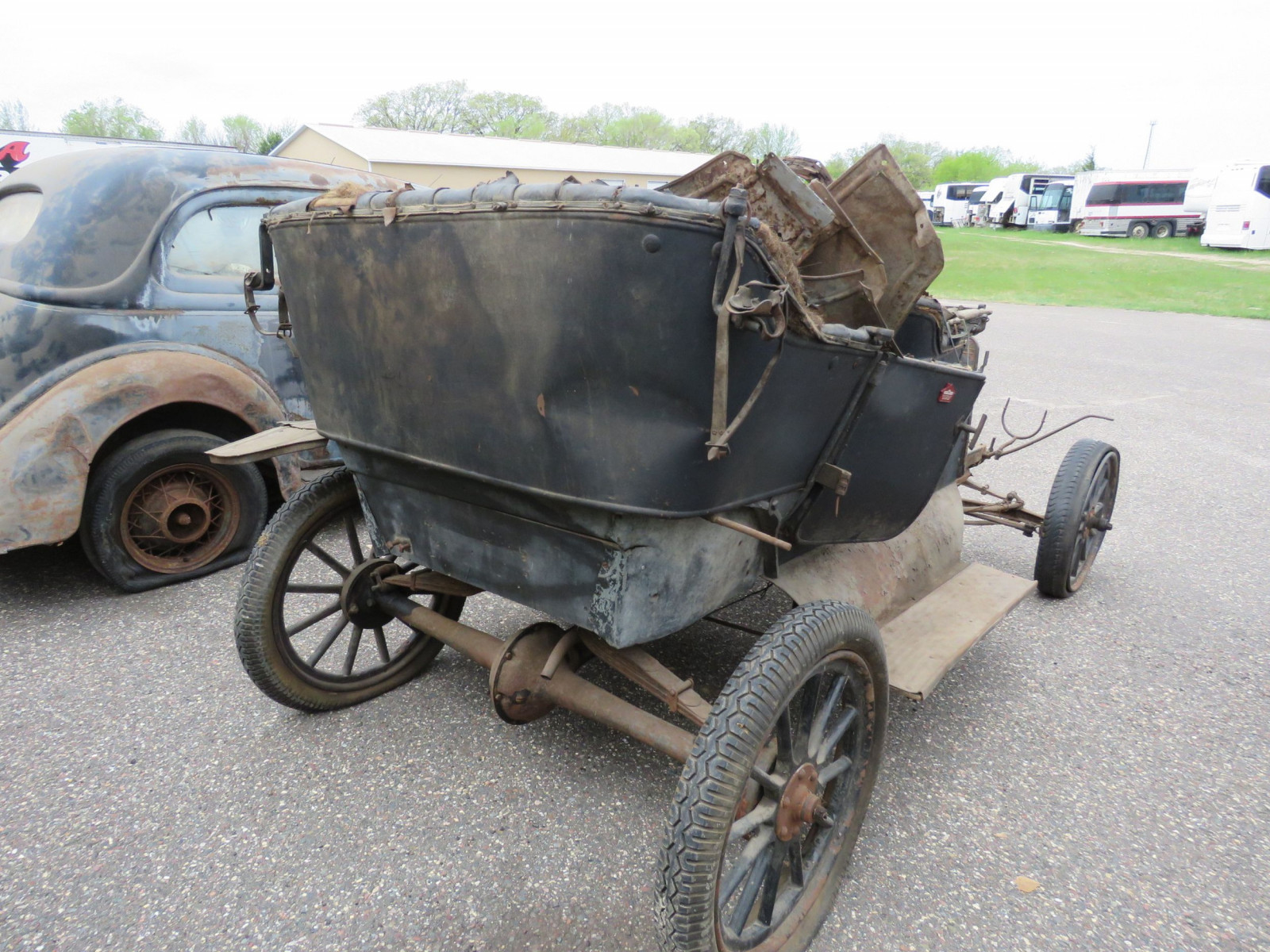 1911 Ford Model T Touring for Project or Parts - Image 4