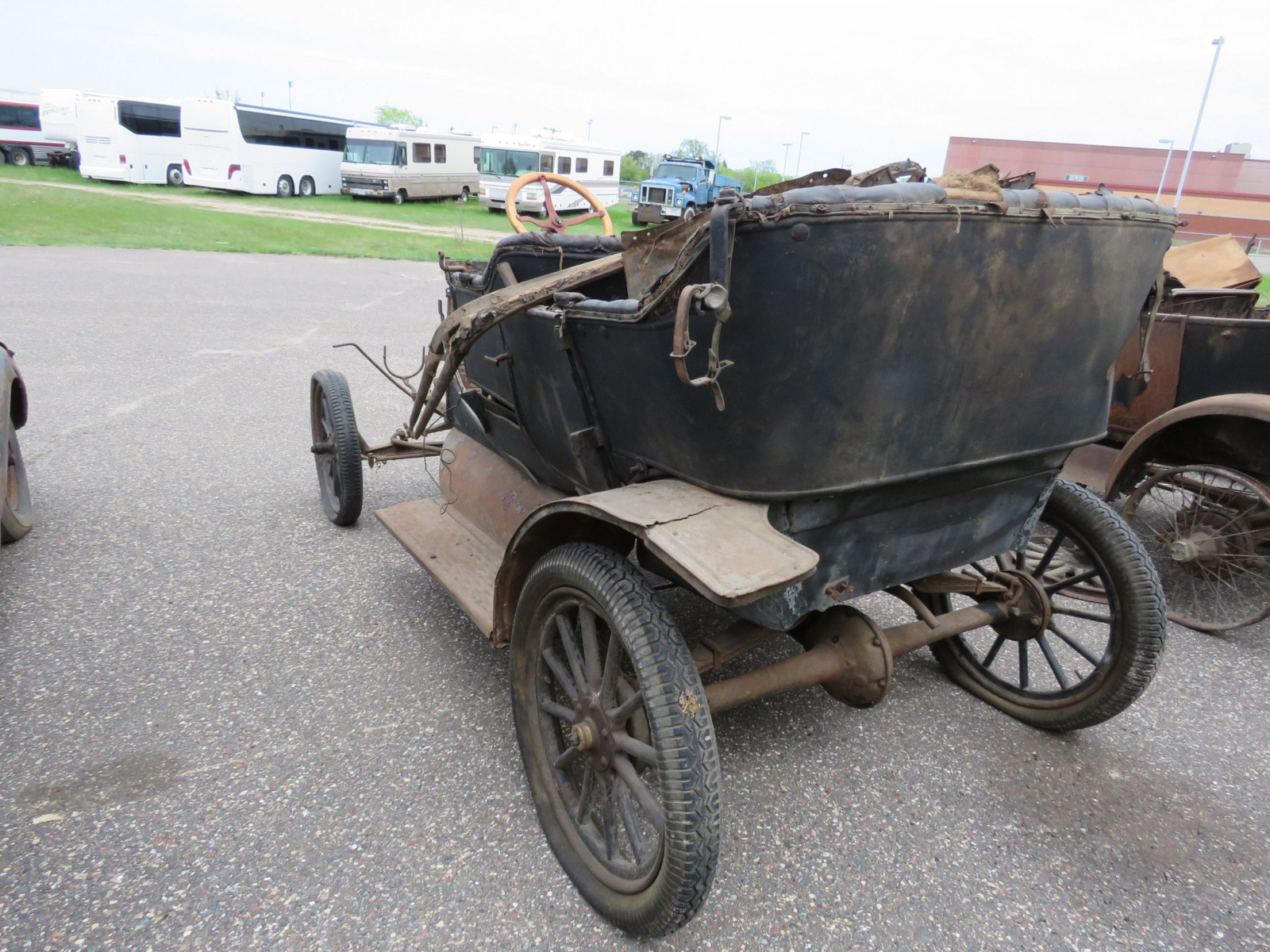 1911 Ford Model T Touring for Project or Parts - Image 5