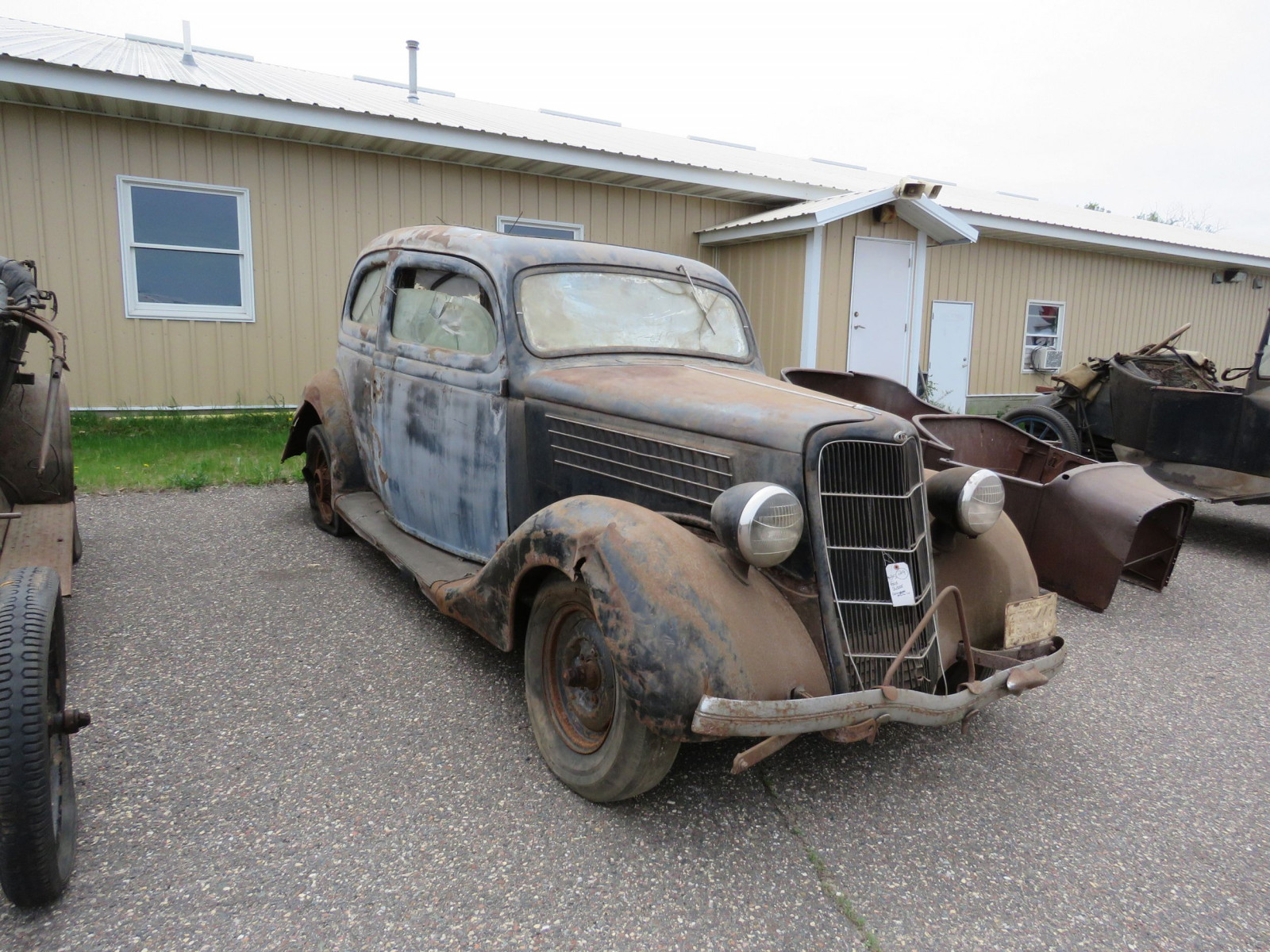 1935 Ford Tudor Sedan for Project or Parts - Image 1