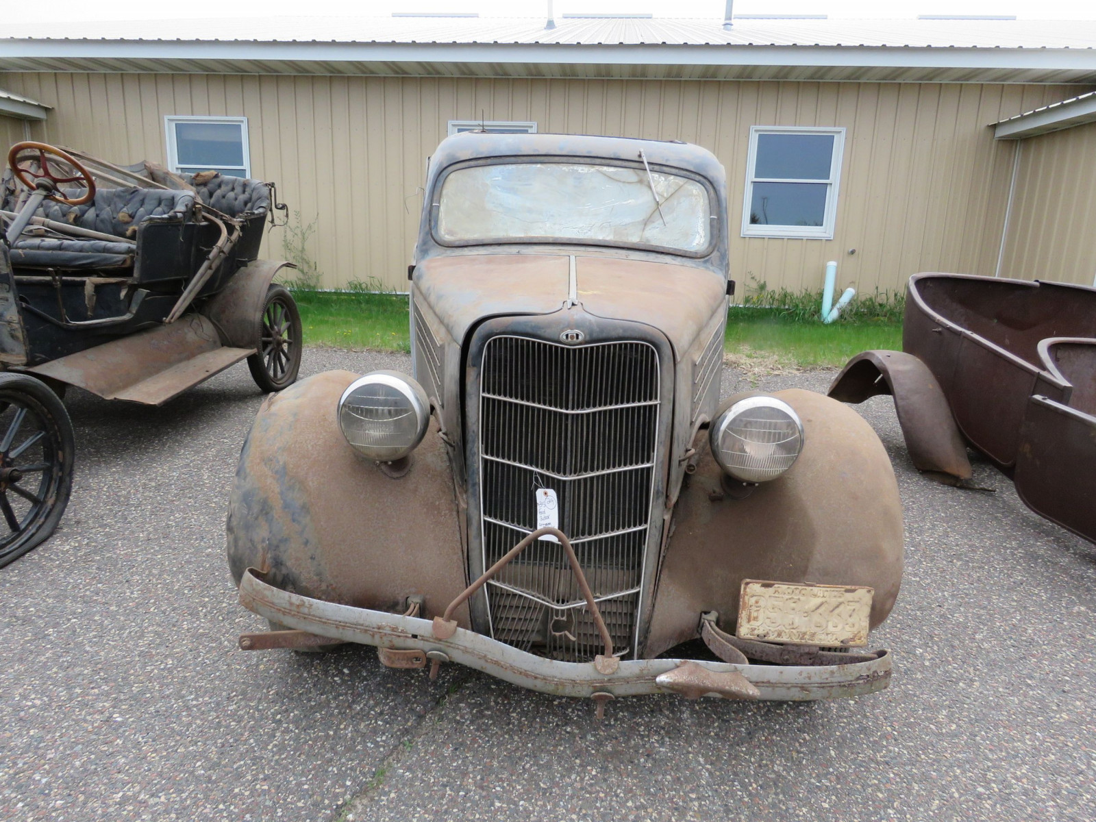 1935 Ford Tudor Sedan for Project or Parts - Image 2