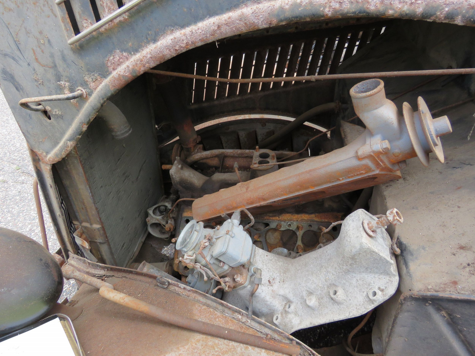 1935 Ford Tudor Sedan for Project or Parts - Image 7