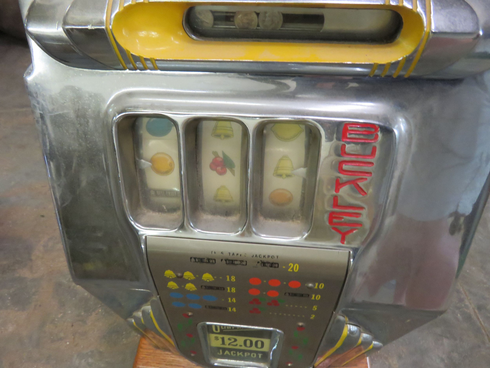 Bukley Vintage Slot Machine - Image 1