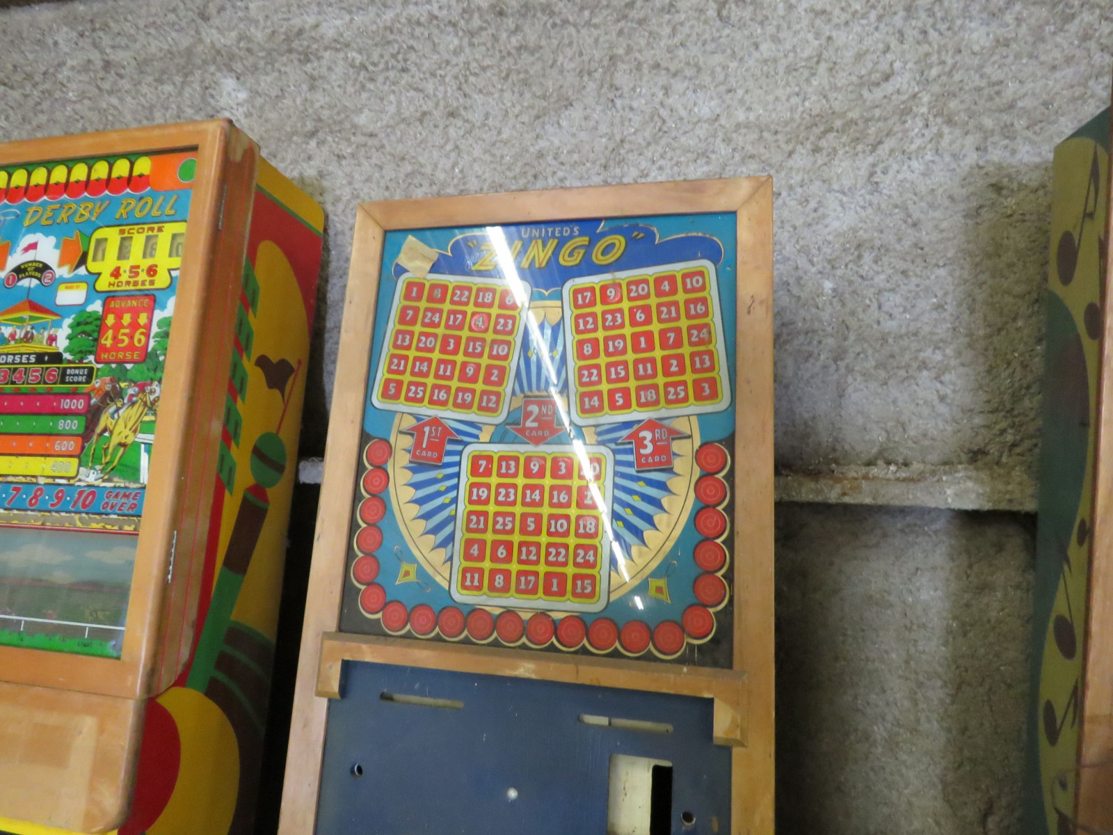 Vintage Ziungo Pinball Machine by United - Image 3