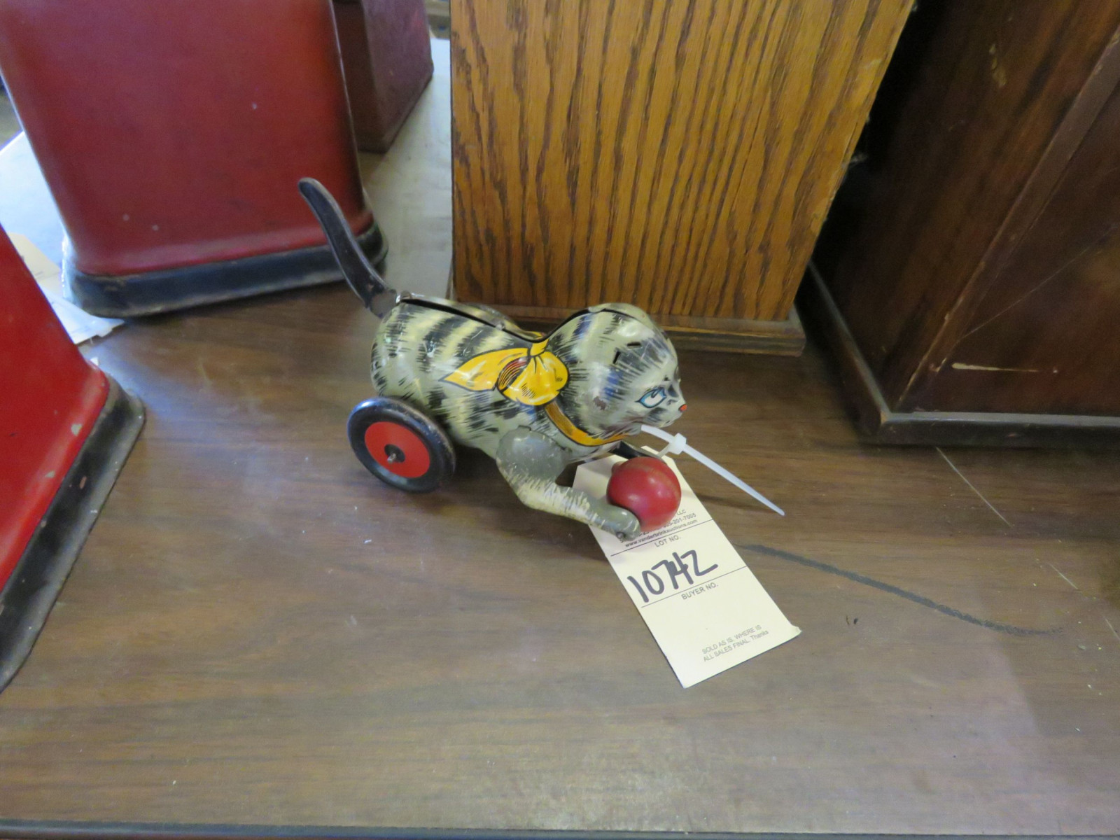Vintage Tin Cat Friction Toy - Image 2