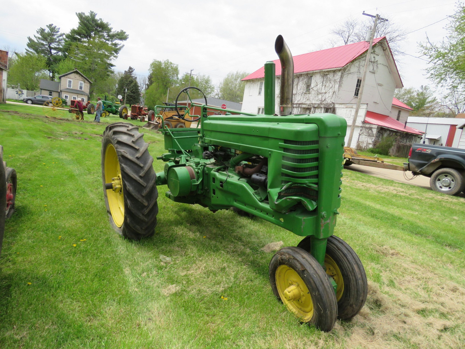 Styled John Deere A Tractor - Image 3