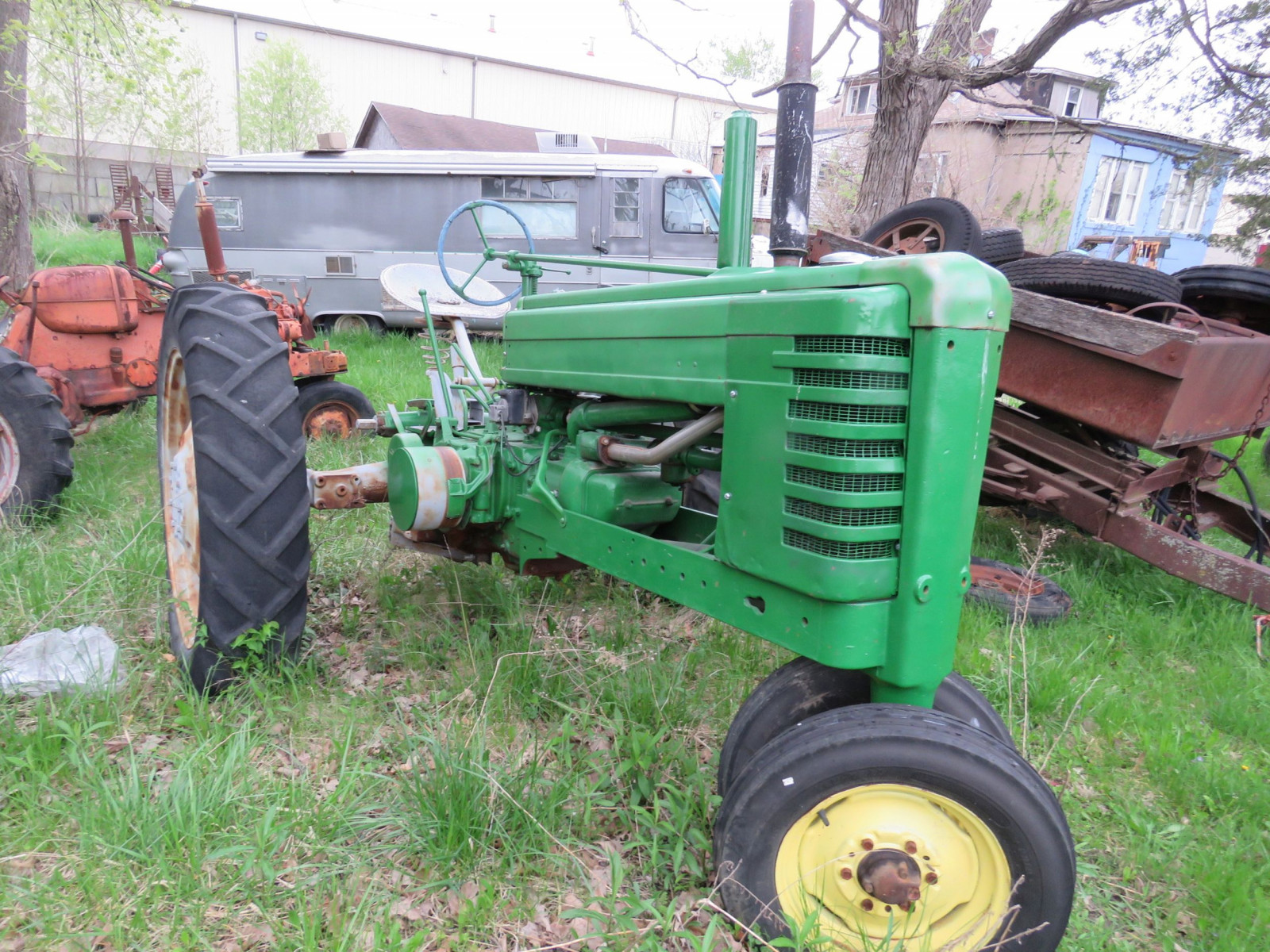 Styled John Deere B Tractor - Image 2
