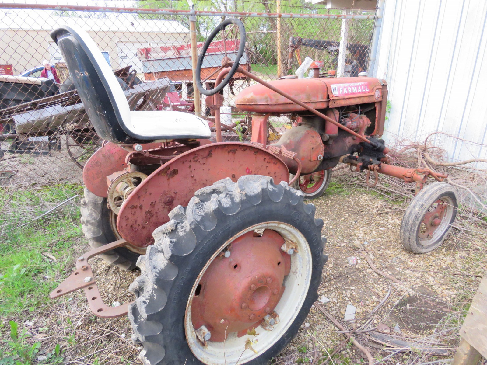 Farmall A tractor for project or parts. - Image 2
