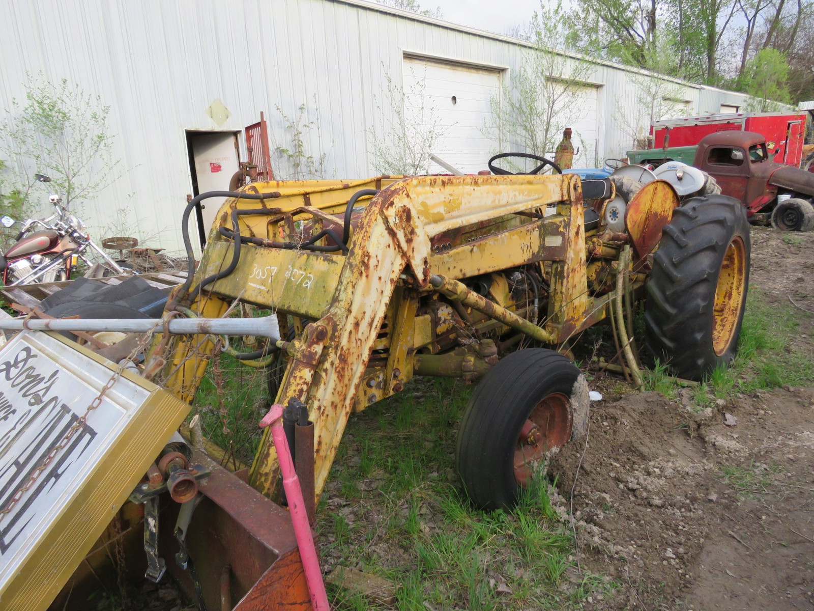 International 300 Tractor - Image 1