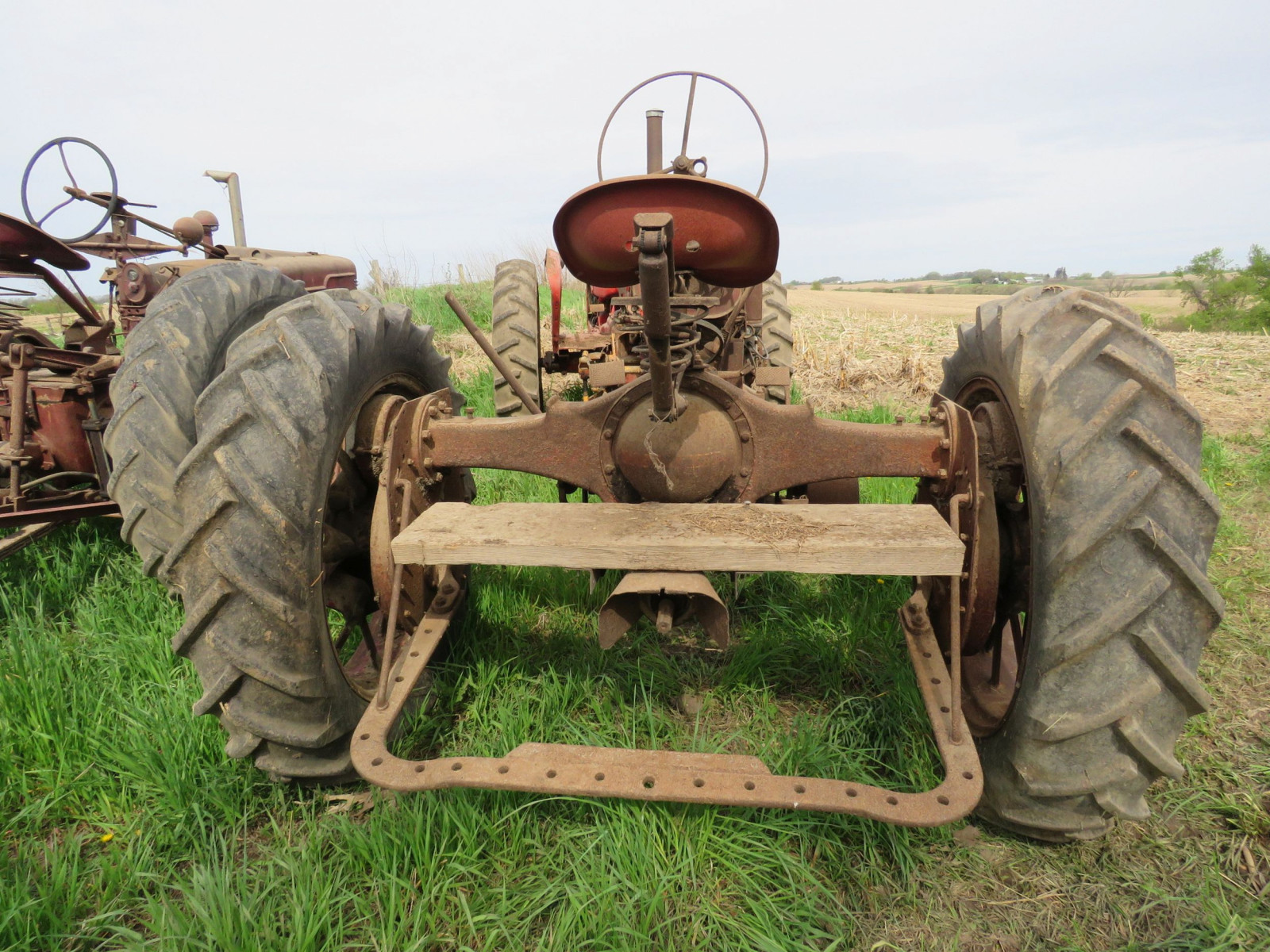 Farmall F-20 for Project or parts - Image 2