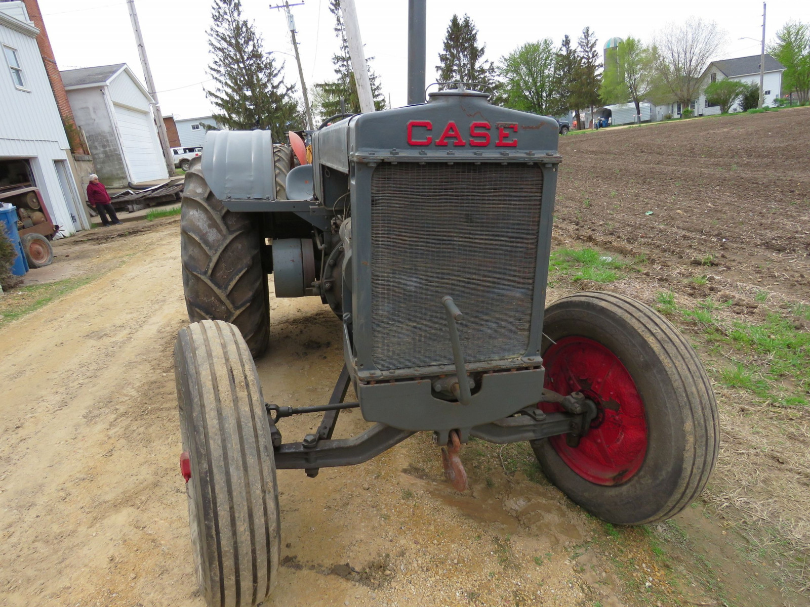 Case L Tractor - Image 3