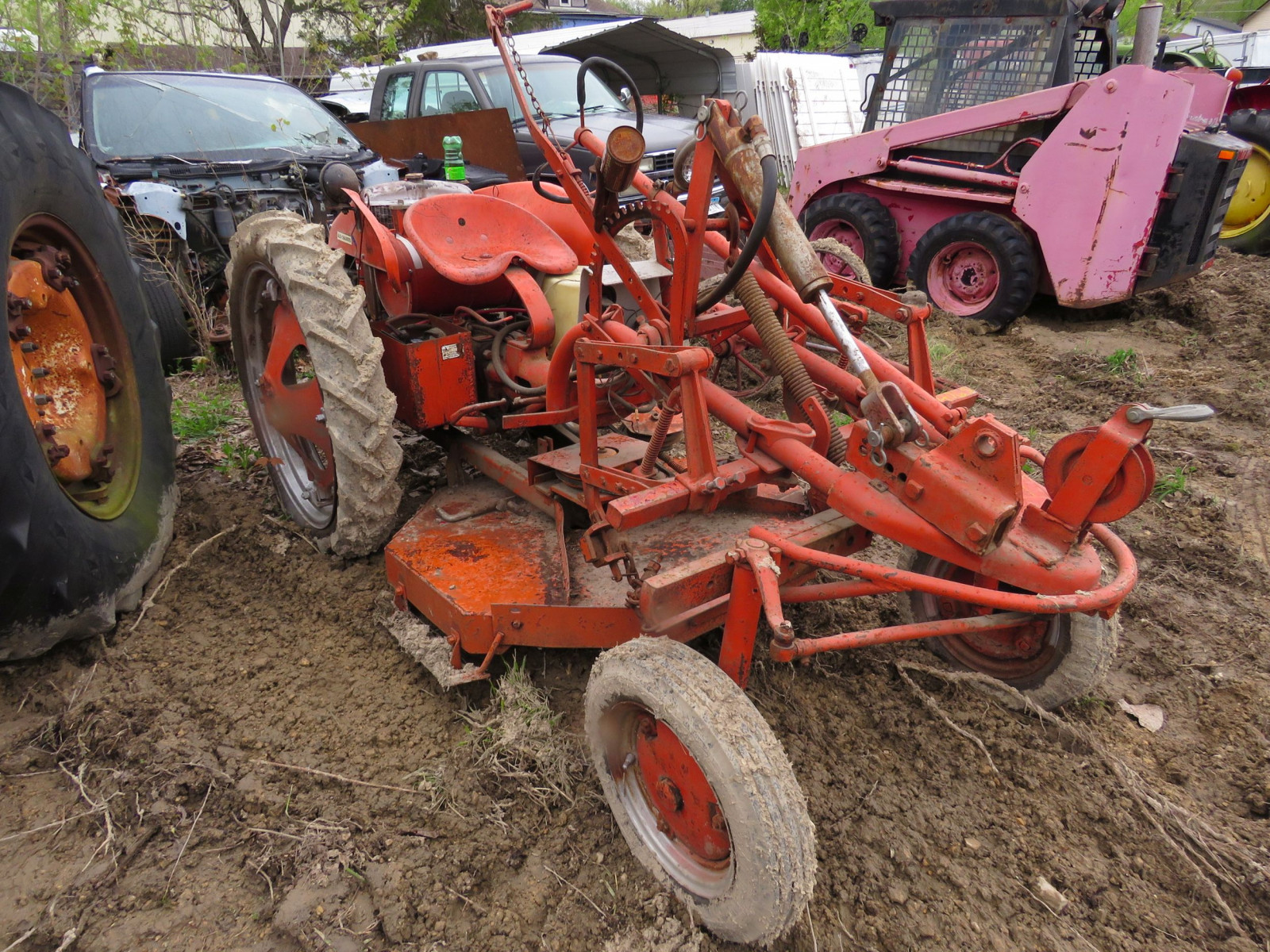 Allis Chalmers G Tractor - Image 3