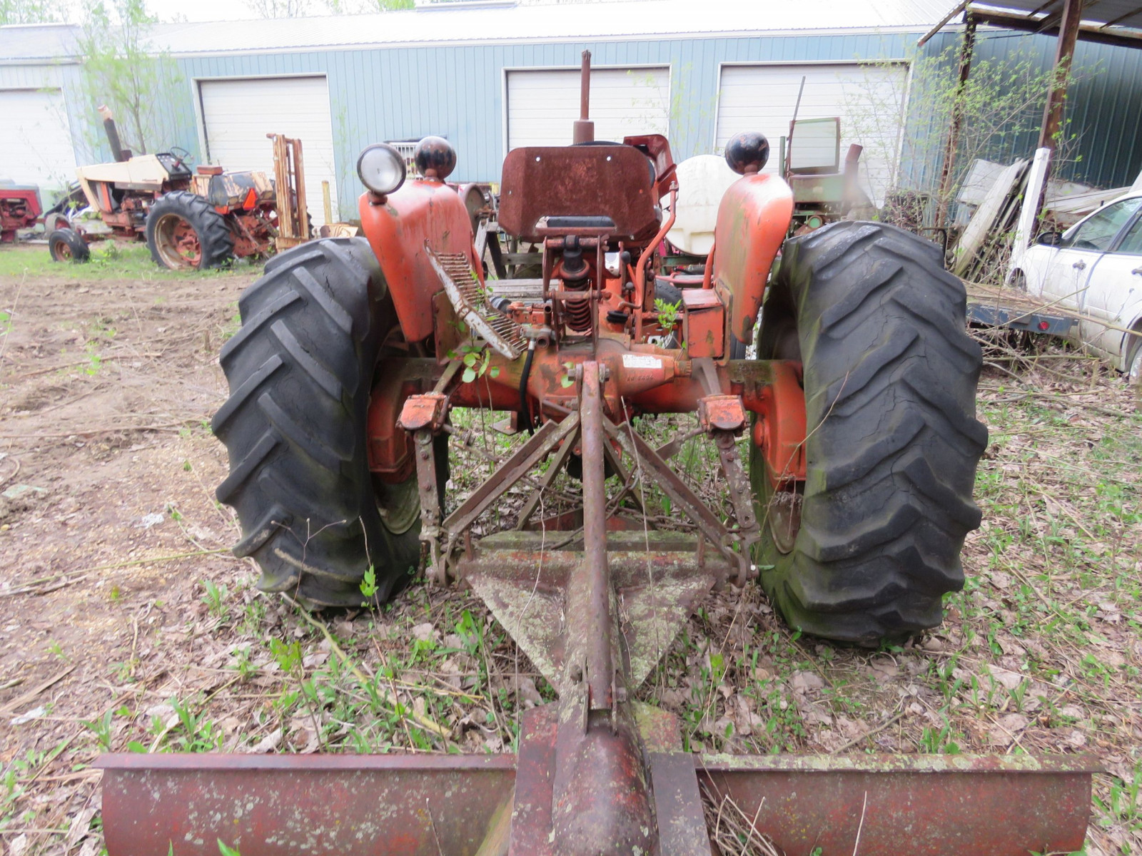 Allis Chalmers D-15 Tractor - Image 4