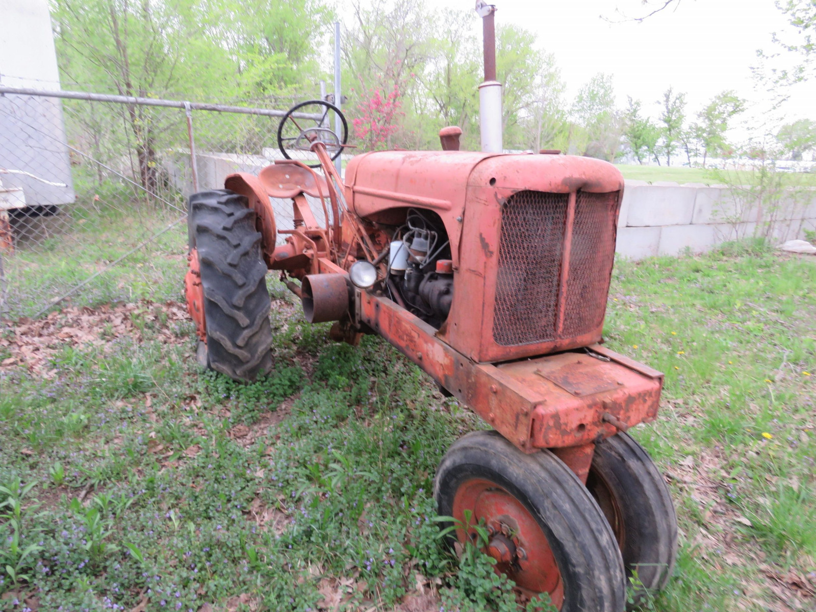 Allis Chalmers WD antique Tractor - Image 3