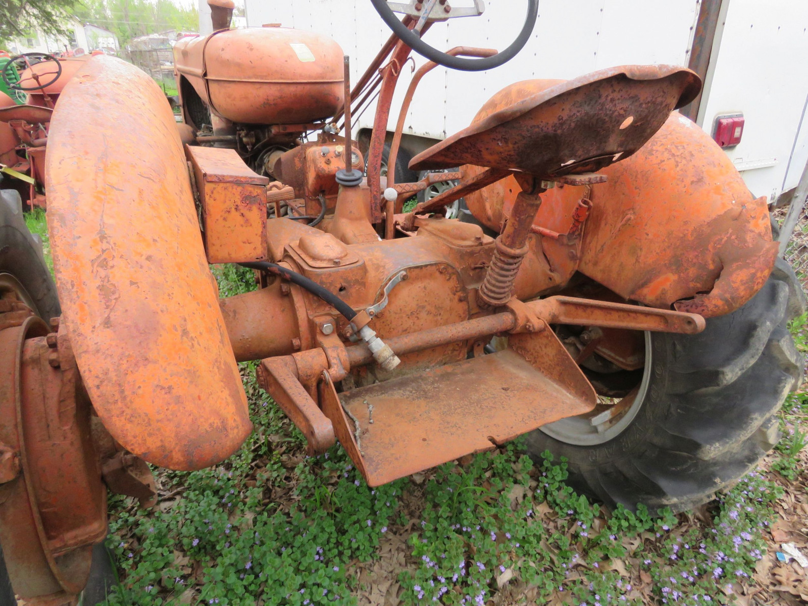 Allis Chalmers WD antique Tractor - Image 5