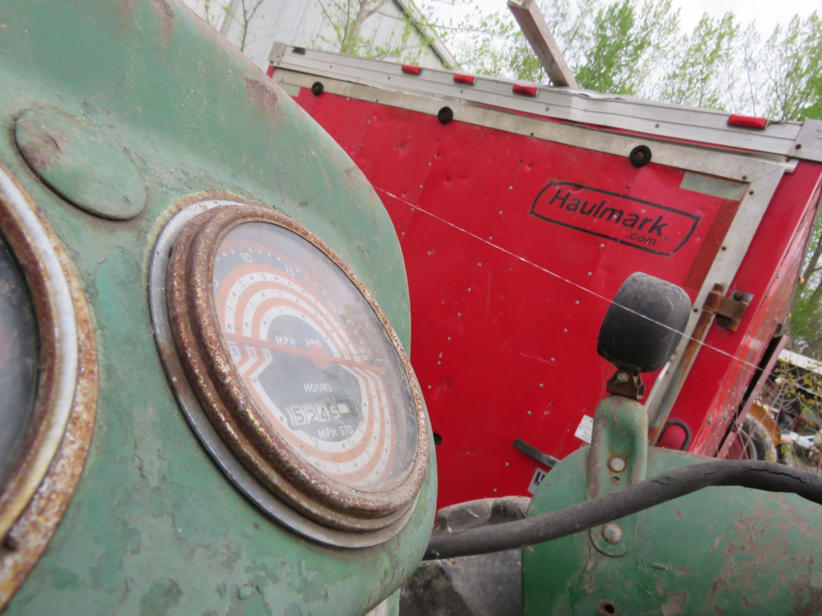 Oliver 880 Tractor - Image 5