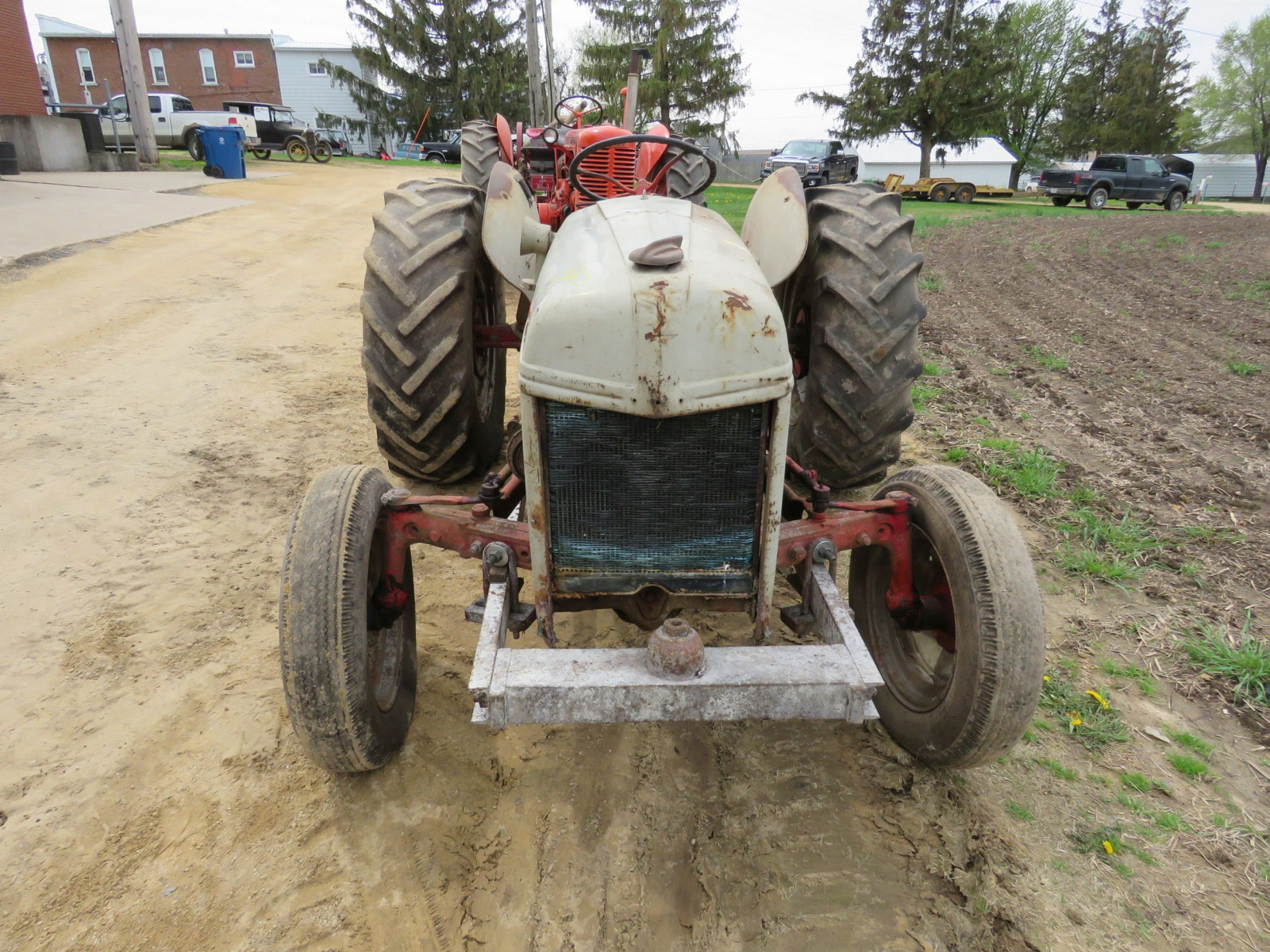 Ford 8N Tractor - Image 2