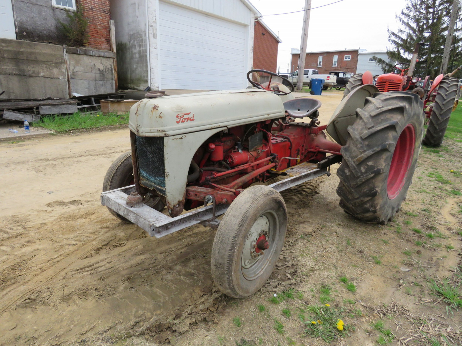 Ford 8N Tractor - Image 3