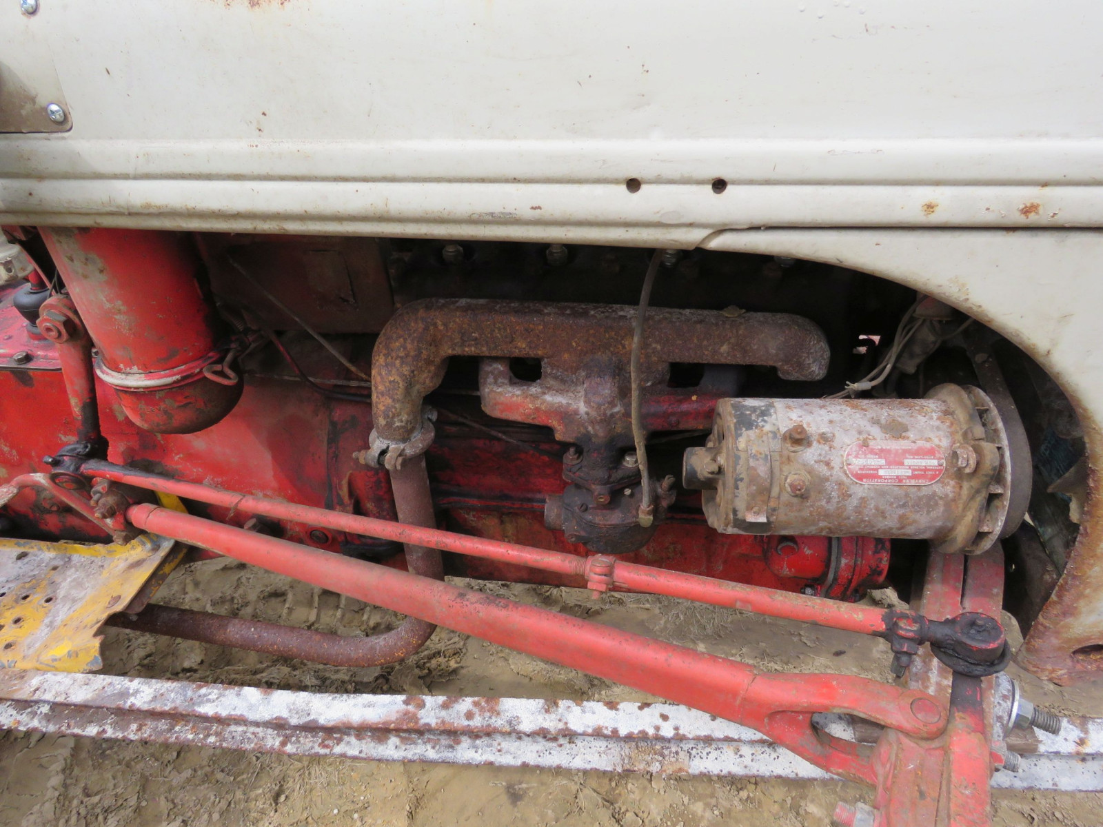 Ford 8N Tractor - Image 5