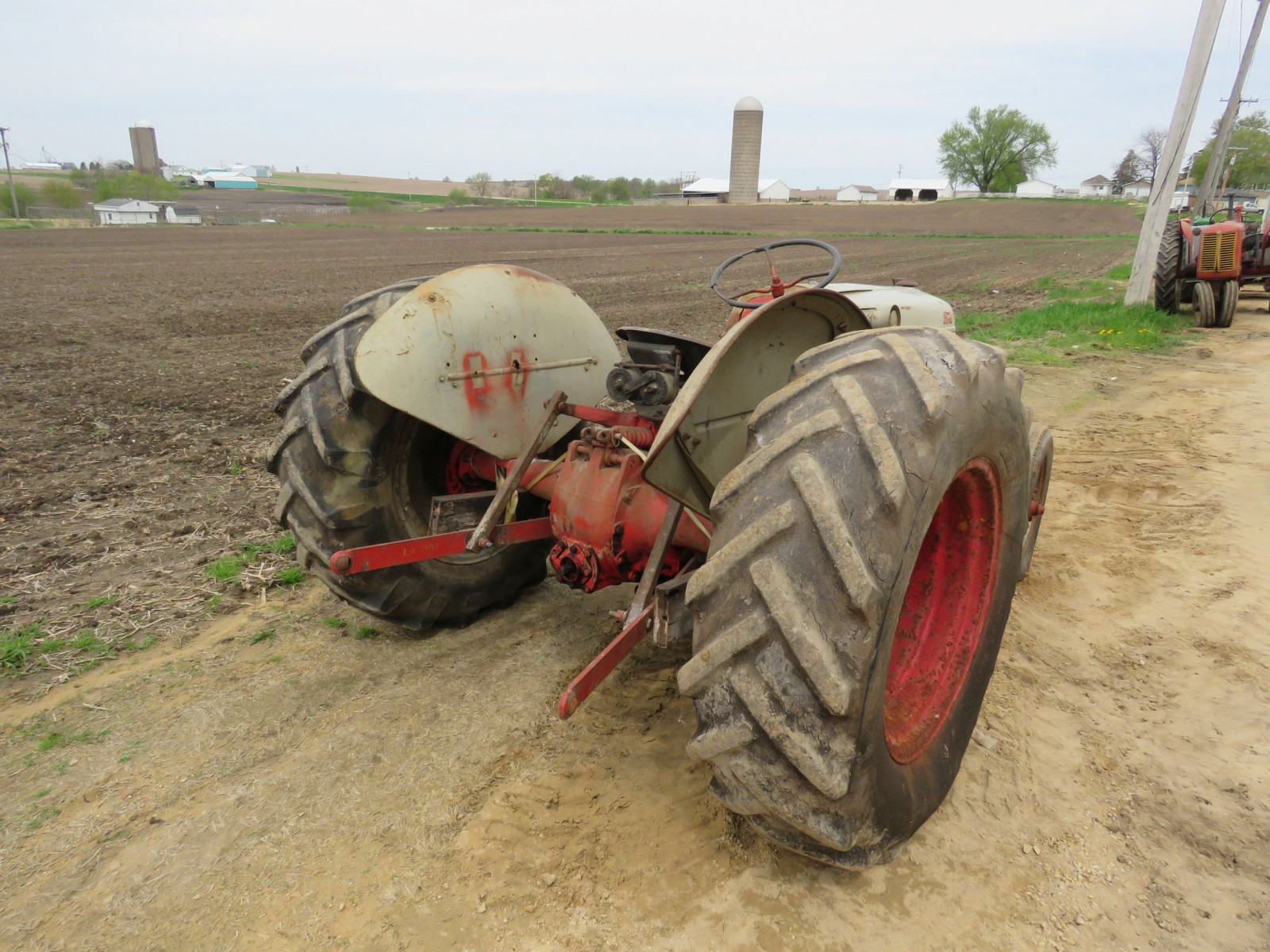 Ford 8N Tractor - Image 6