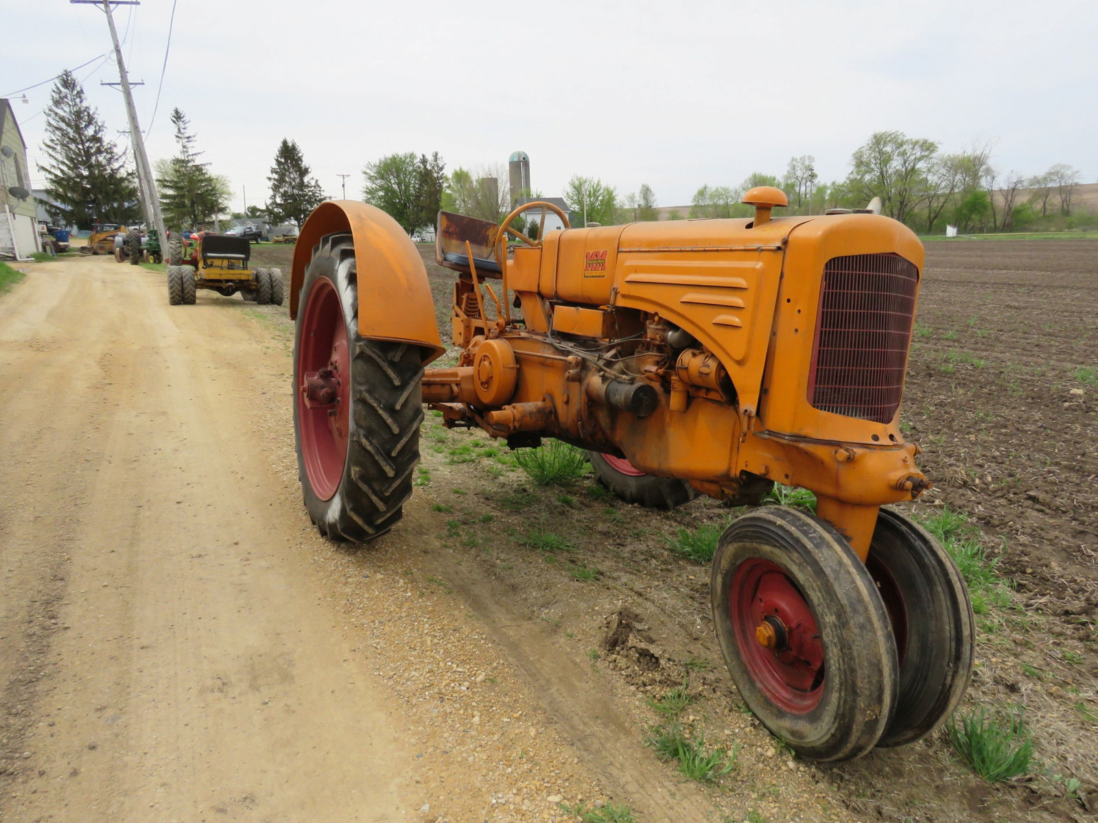 Minneapolis Moline ZTU Tractor - Image 1