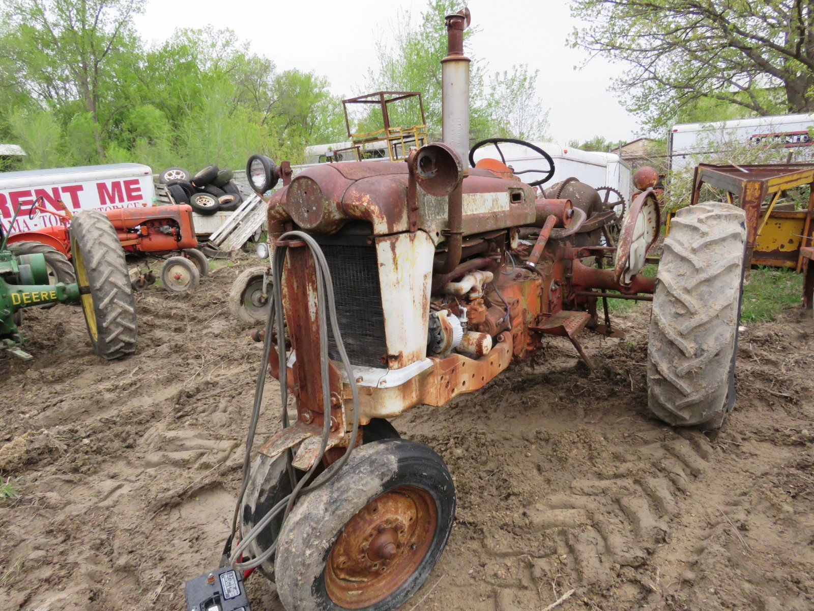 Ford Tractor for Project or Parts - Image 1
