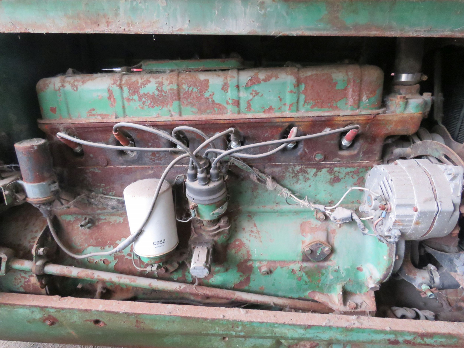 Oliver 88 Row Crop Tractor - Image 3