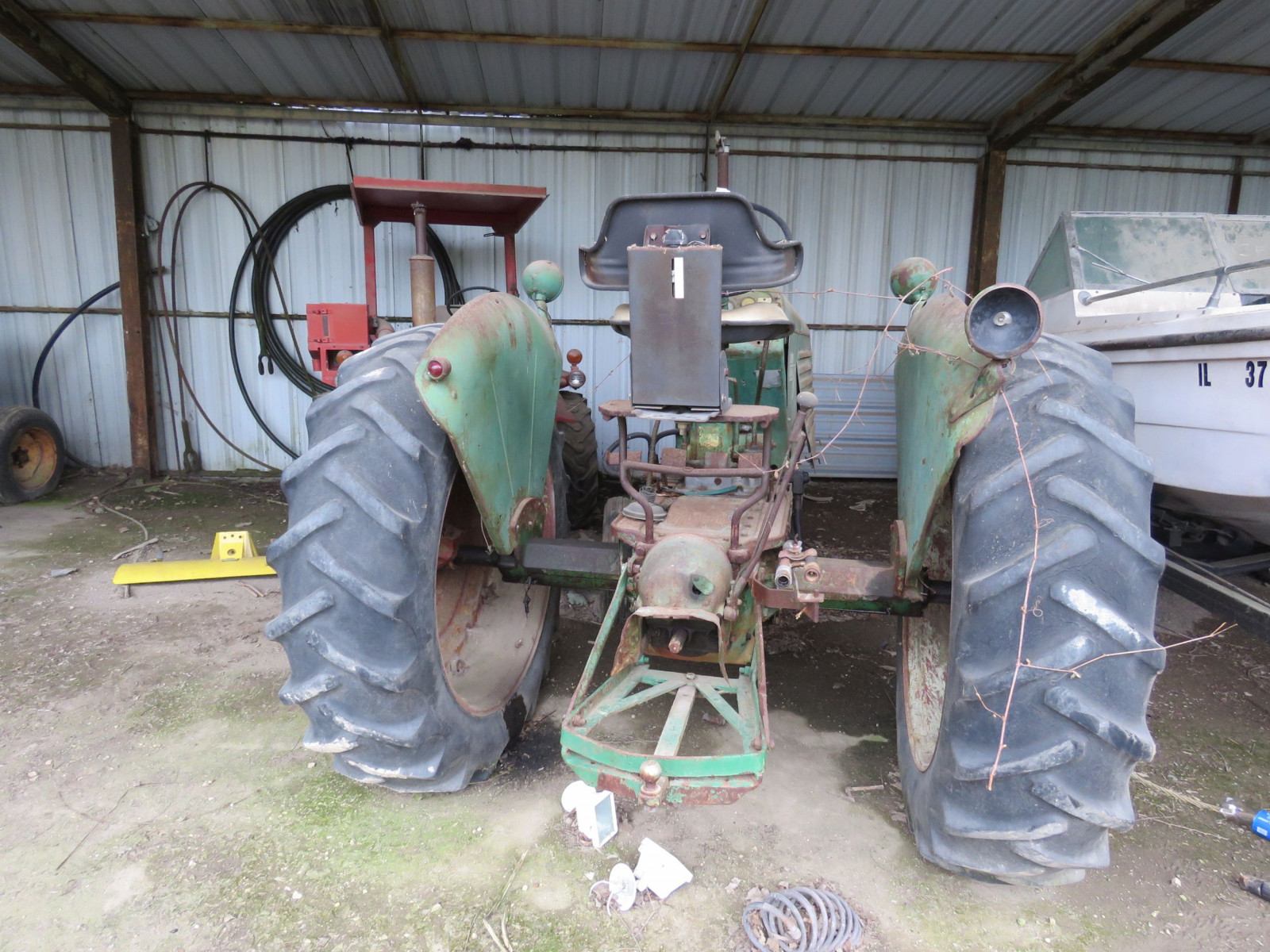 Oliver 88 Row Crop Tractor - Image 4