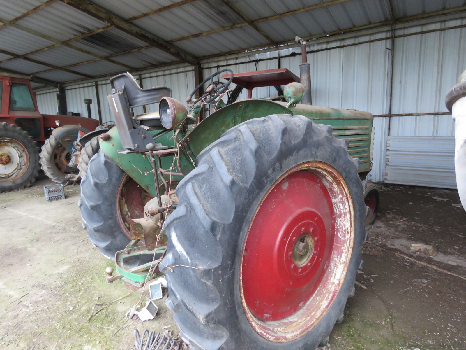 Oliver 88 Row Crop Tractor - Image 5