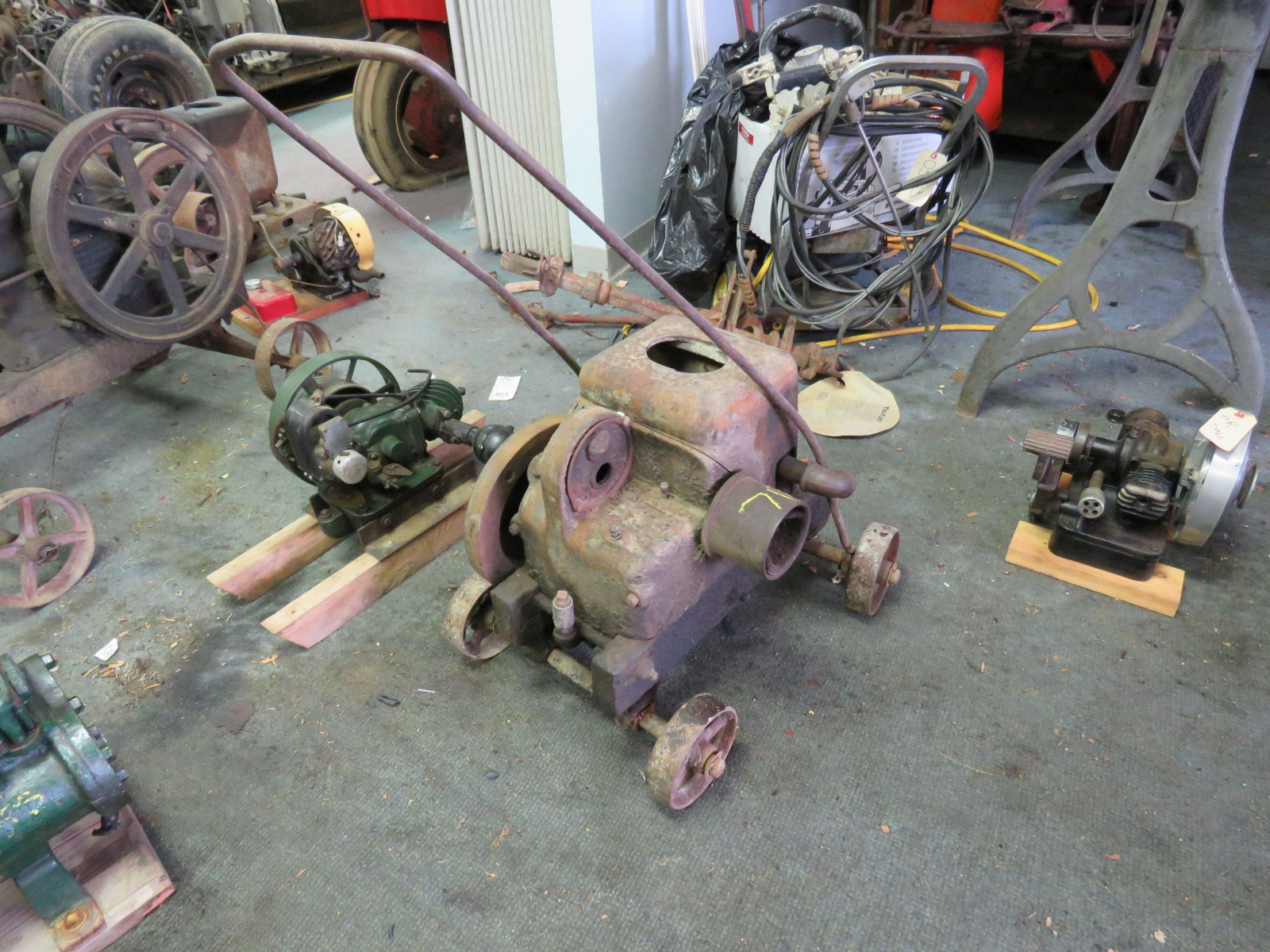 Fairbanks Morse Type Z 1 1/2 Hp Stationary gas engine - Image 1
