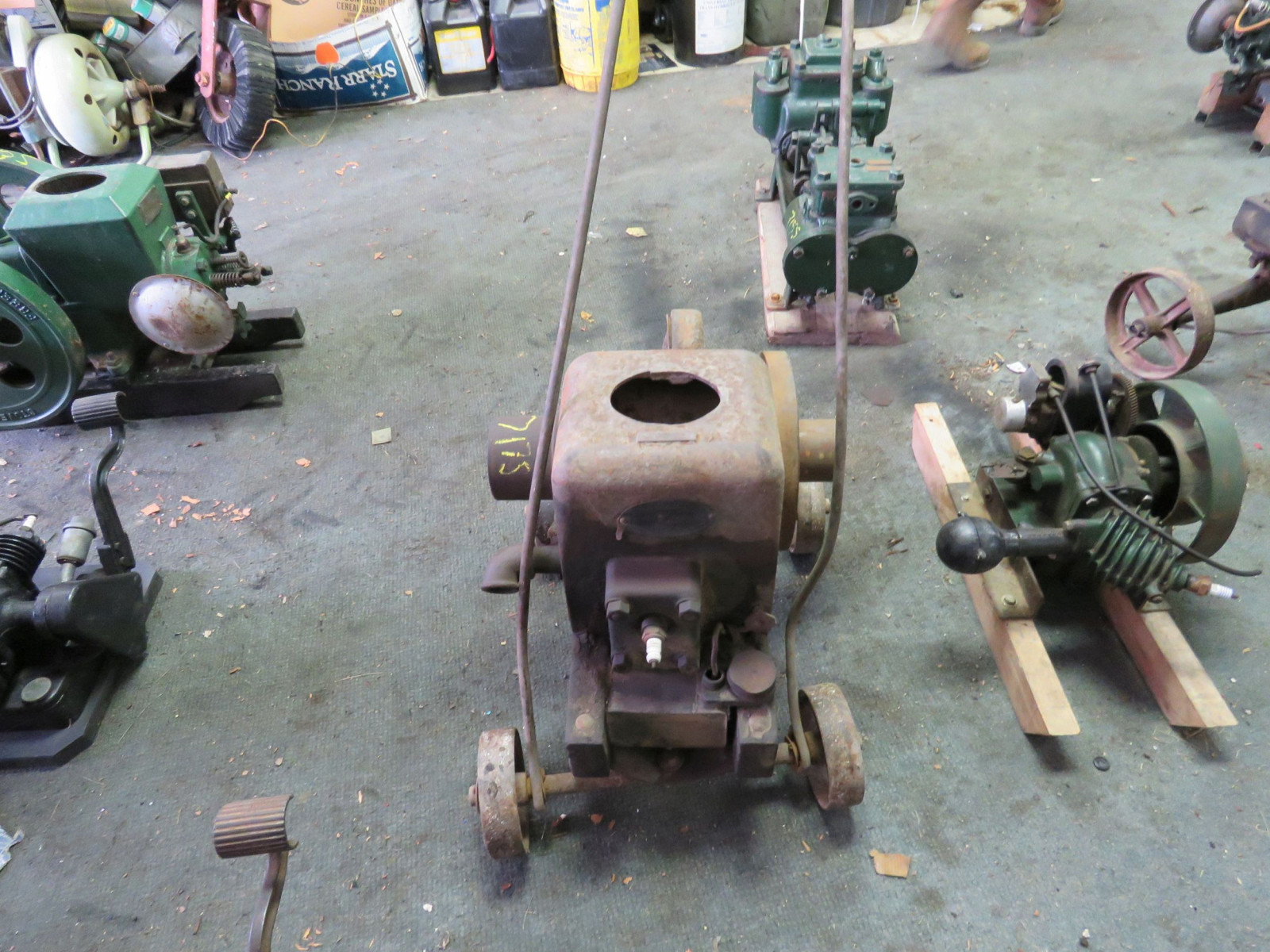 Fairbanks Morse Type Z 1 1/2 Hp Stationary gas engine - Image 3