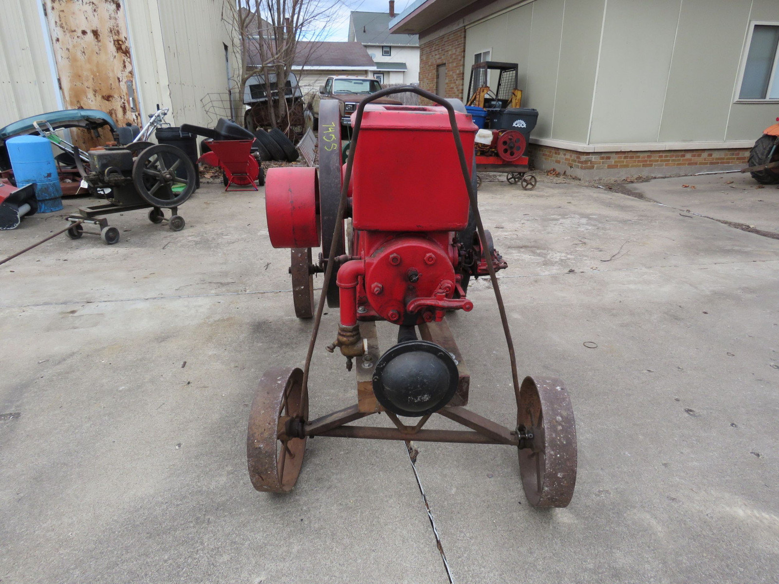 Banner 7hp Stationary Gas Engine On Cart with Steel Wheels - Image 2