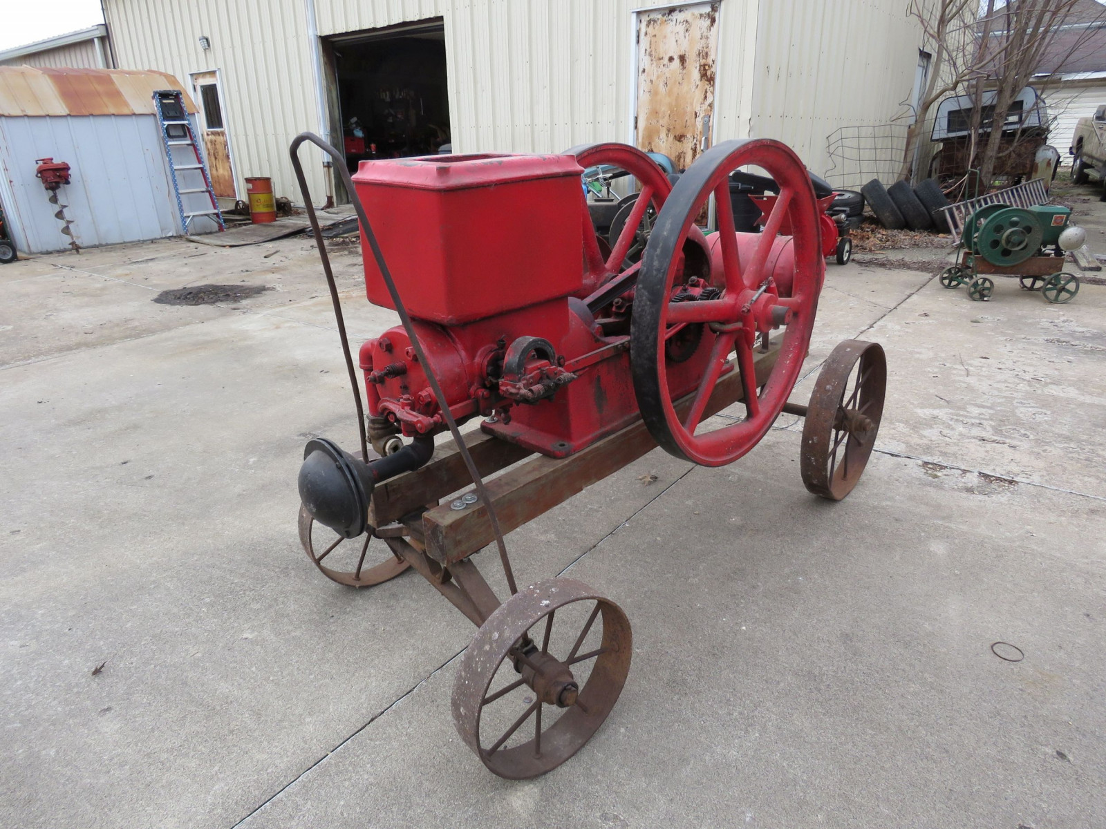 Banner 7hp Stationary Gas Engine On Cart with Steel Wheels - Image 3