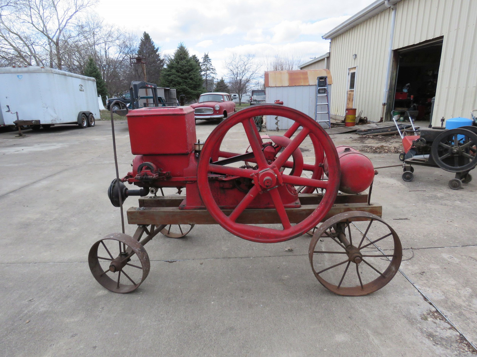 Banner 7hp Stationary Gas Engine On Cart with Steel Wheels - Image 6