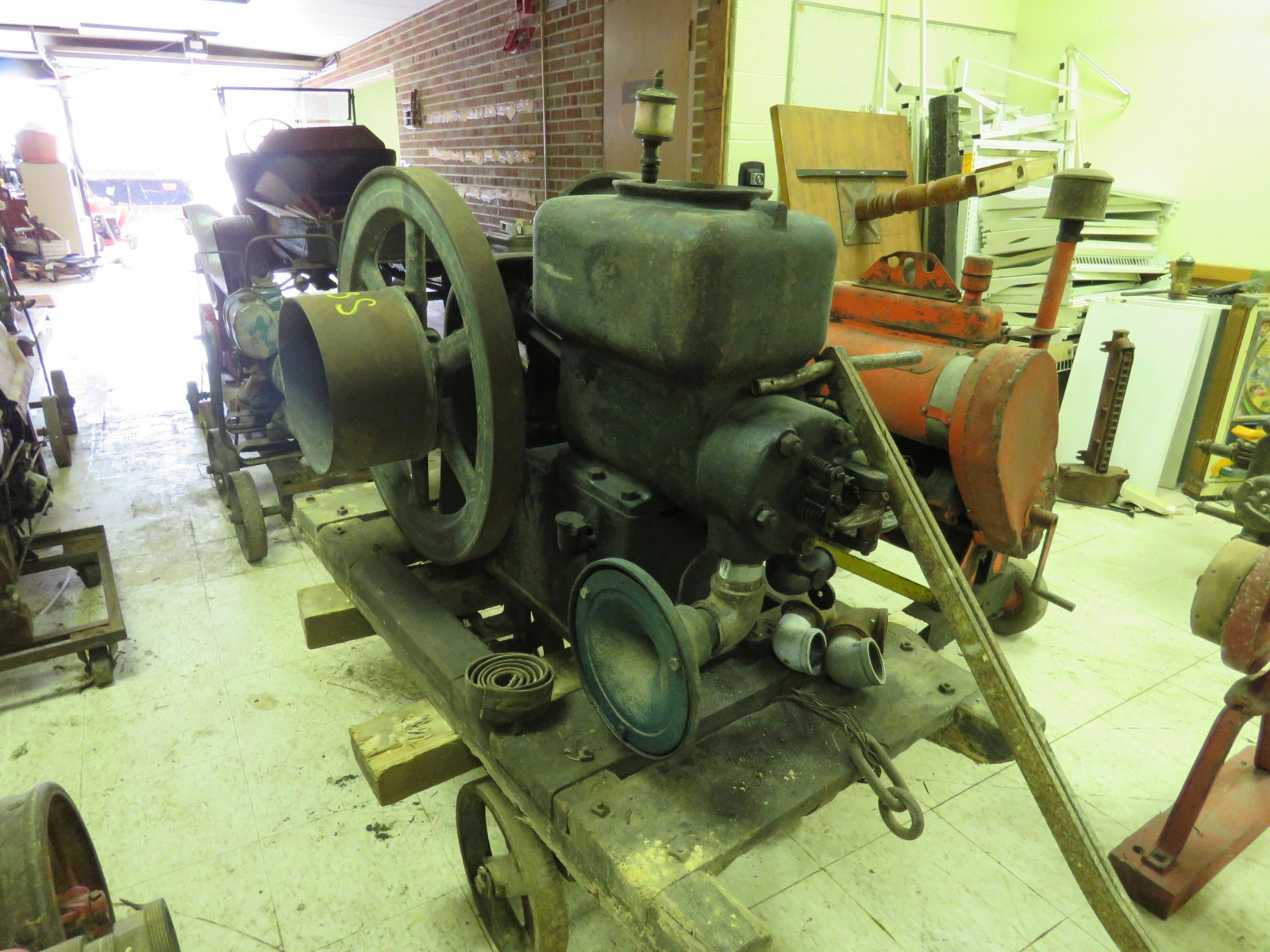 Stationary Gas engine 5hp on steel cart - Image 3