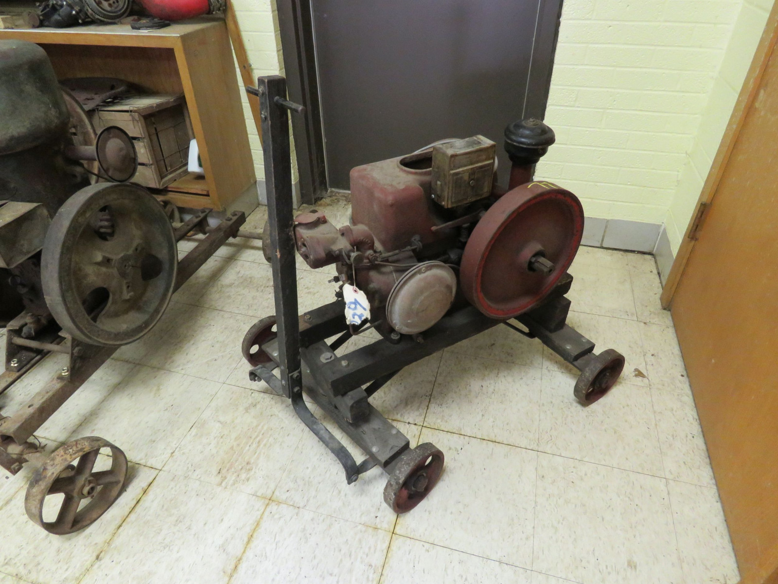 1 1/2 -2HP Stationary Gas Engine - Image 1