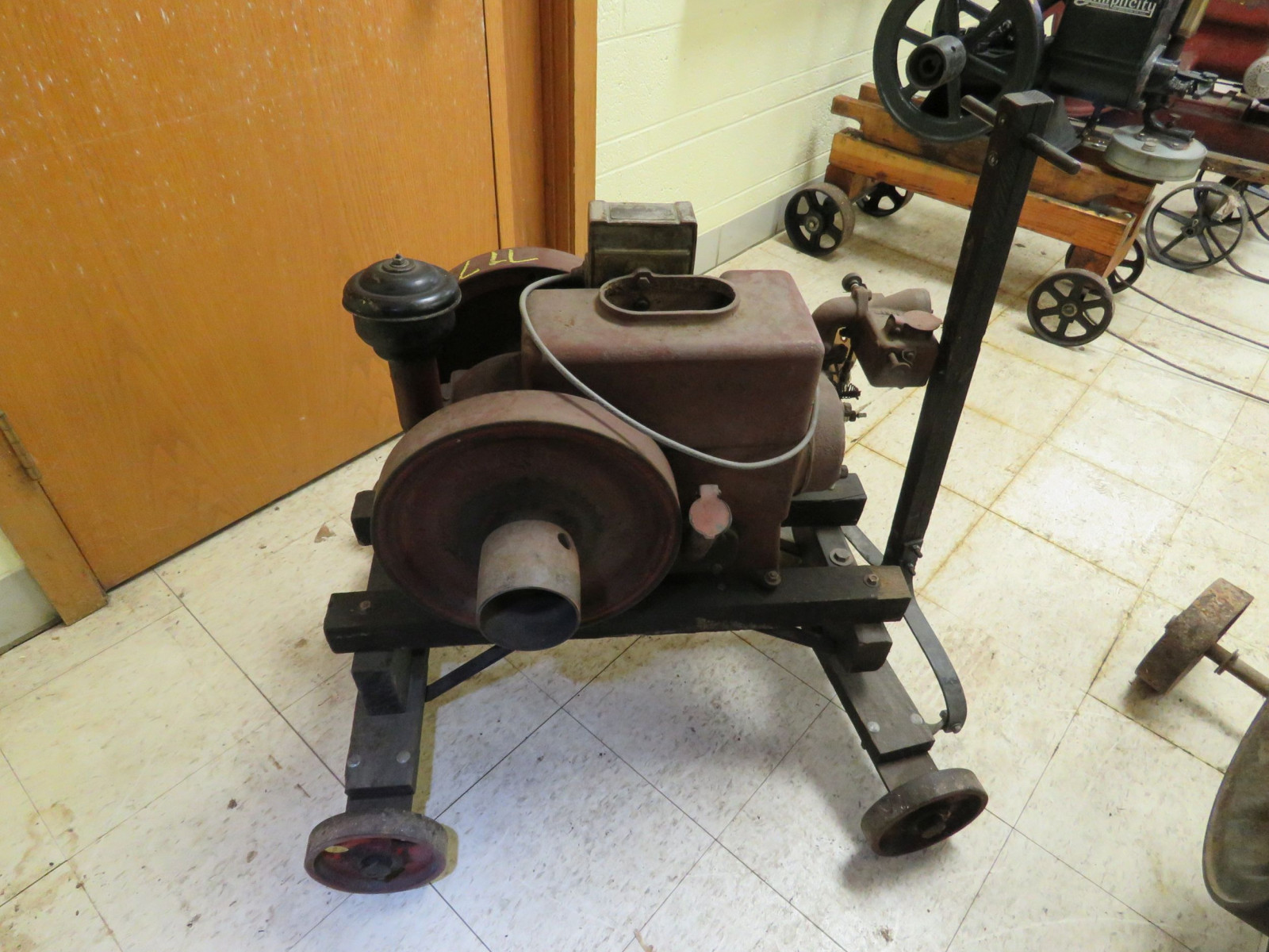 1 1/2 -2HP Stationary Gas Engine - Image 2