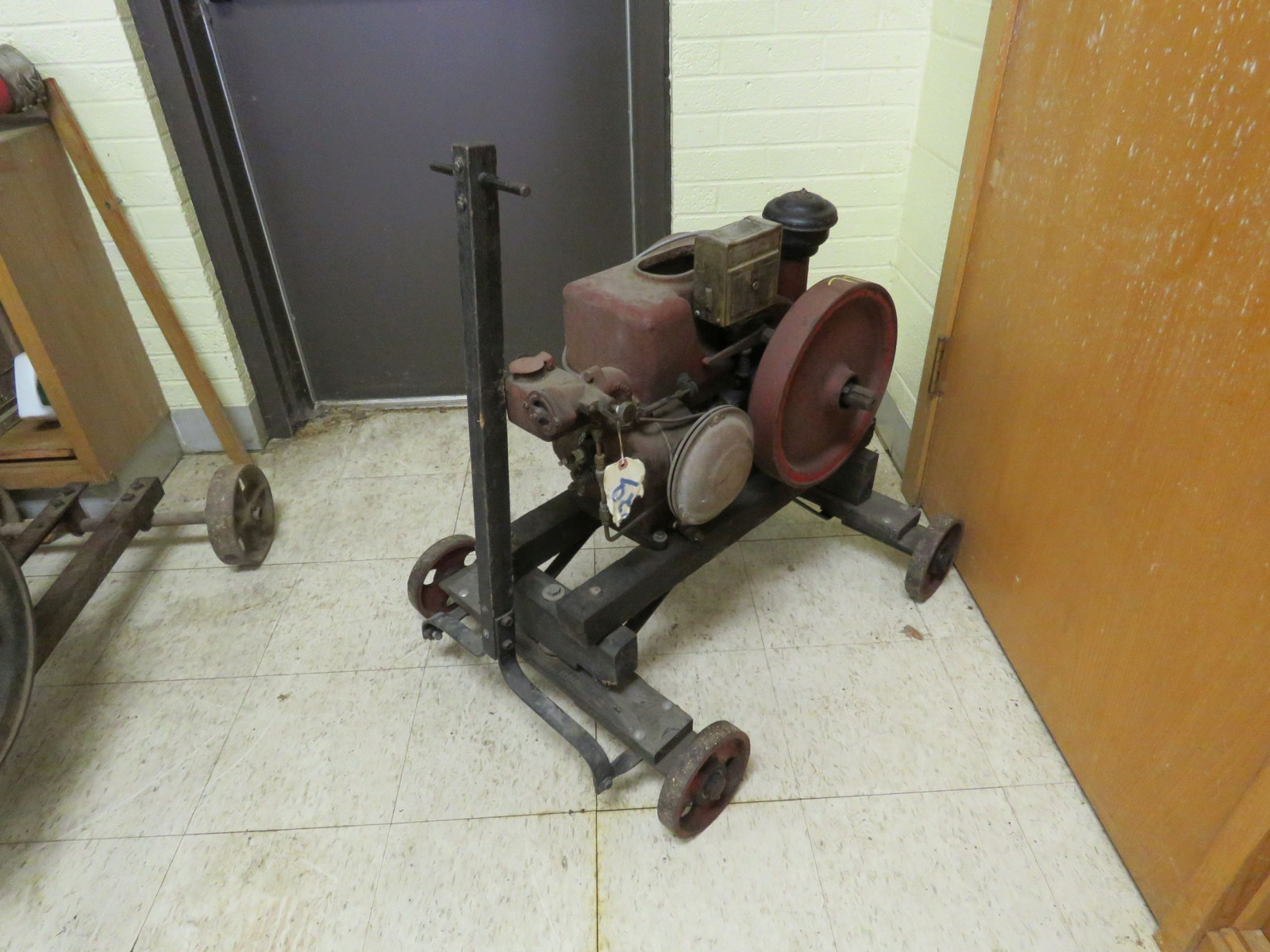 1 1/2 -2HP Stationary Gas Engine - Image 4
