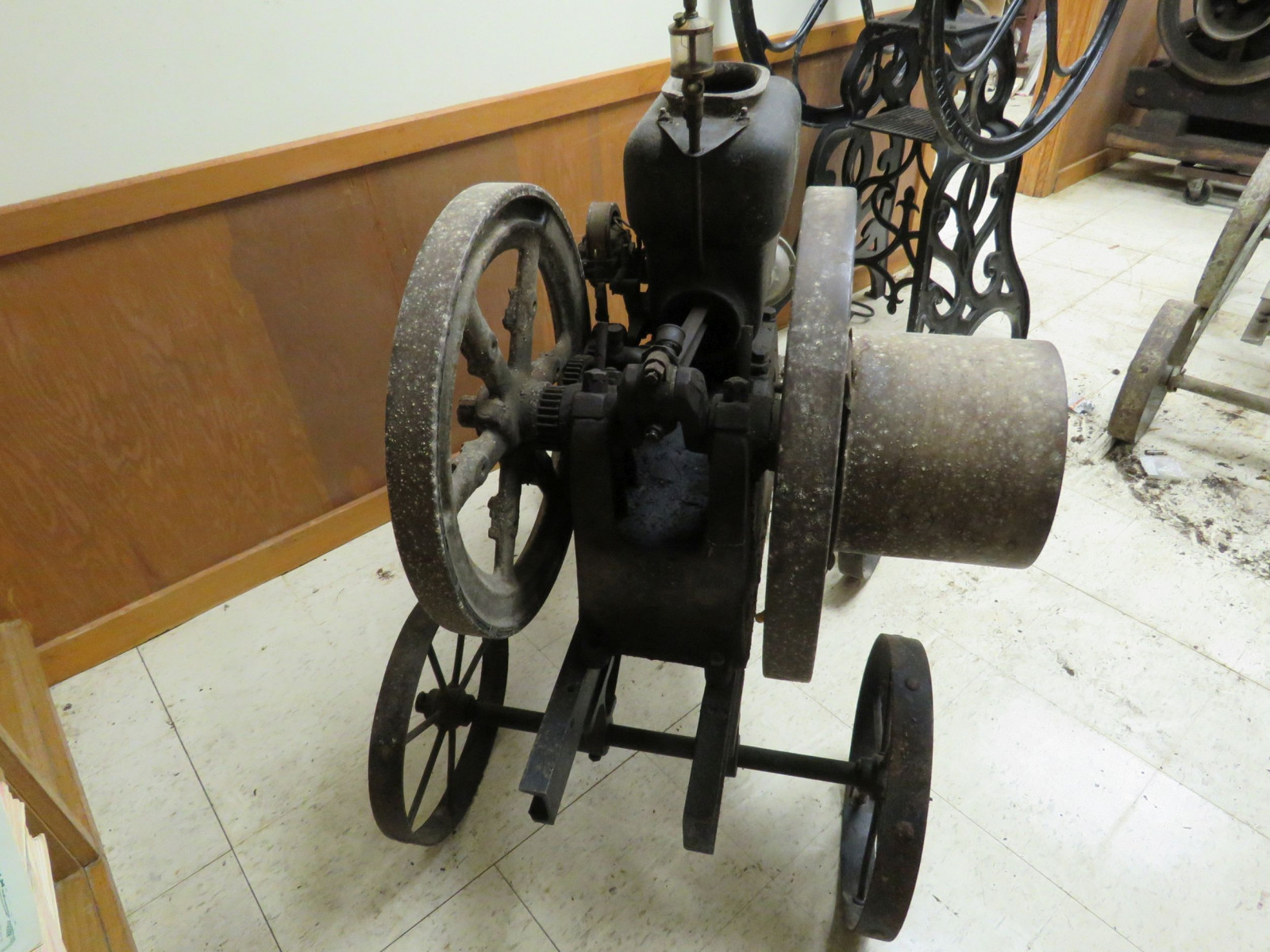 Original 3hp Stationary Gas Engine on Cart - Image 5
