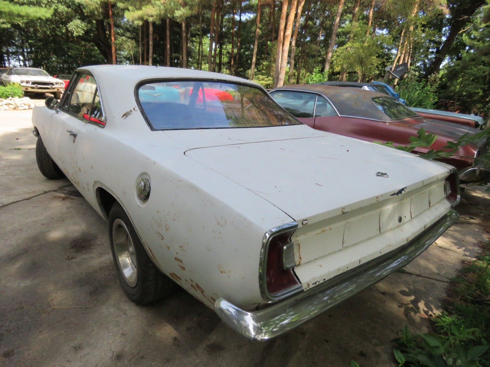 1967 Plymouth Barracuda 2dr HT Coupe - Image 4