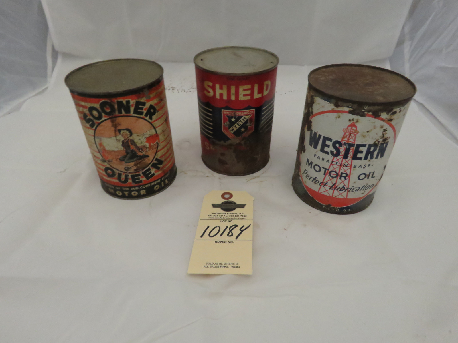 Vintage Oil Can Grouping - Image 1