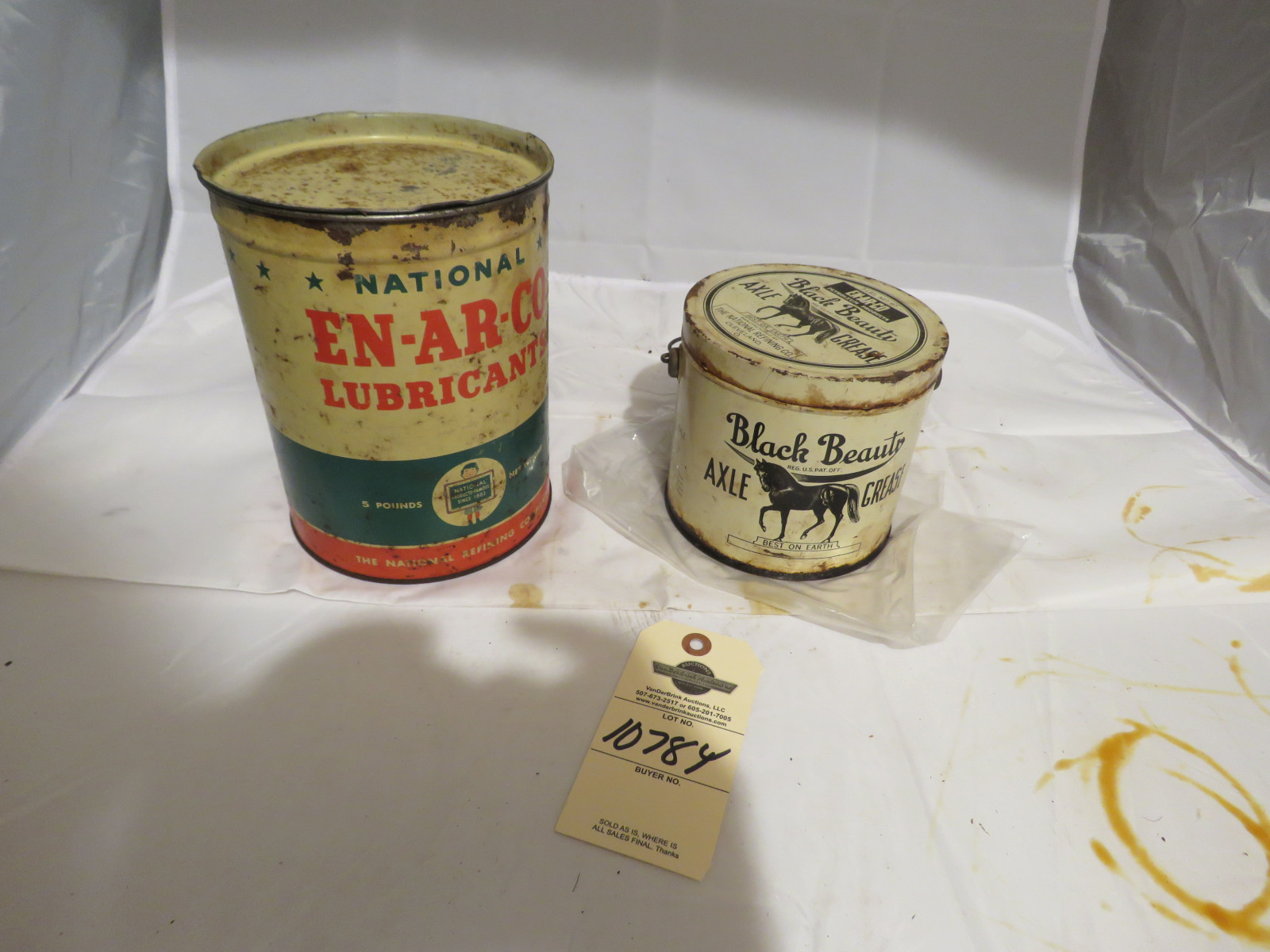 EN-R-CO and Black Beauty Oil Cans - Image 1