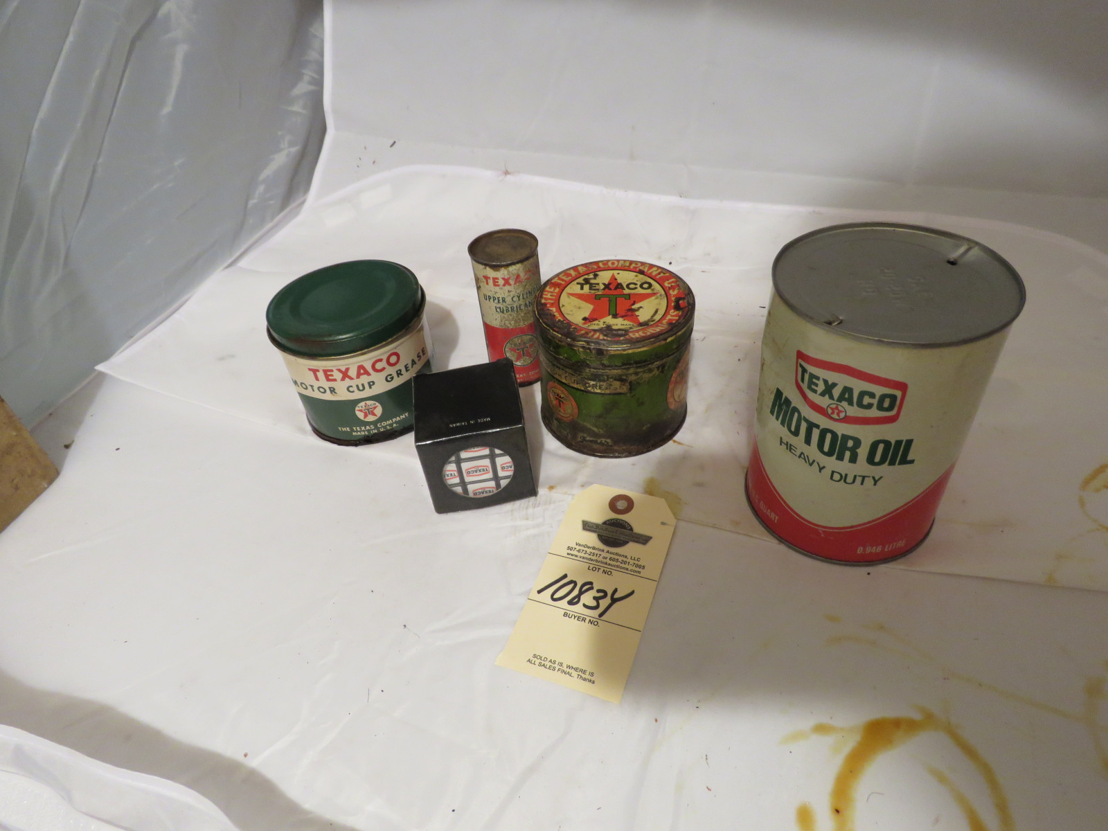 Texaco Oil Can Group - Image 1
