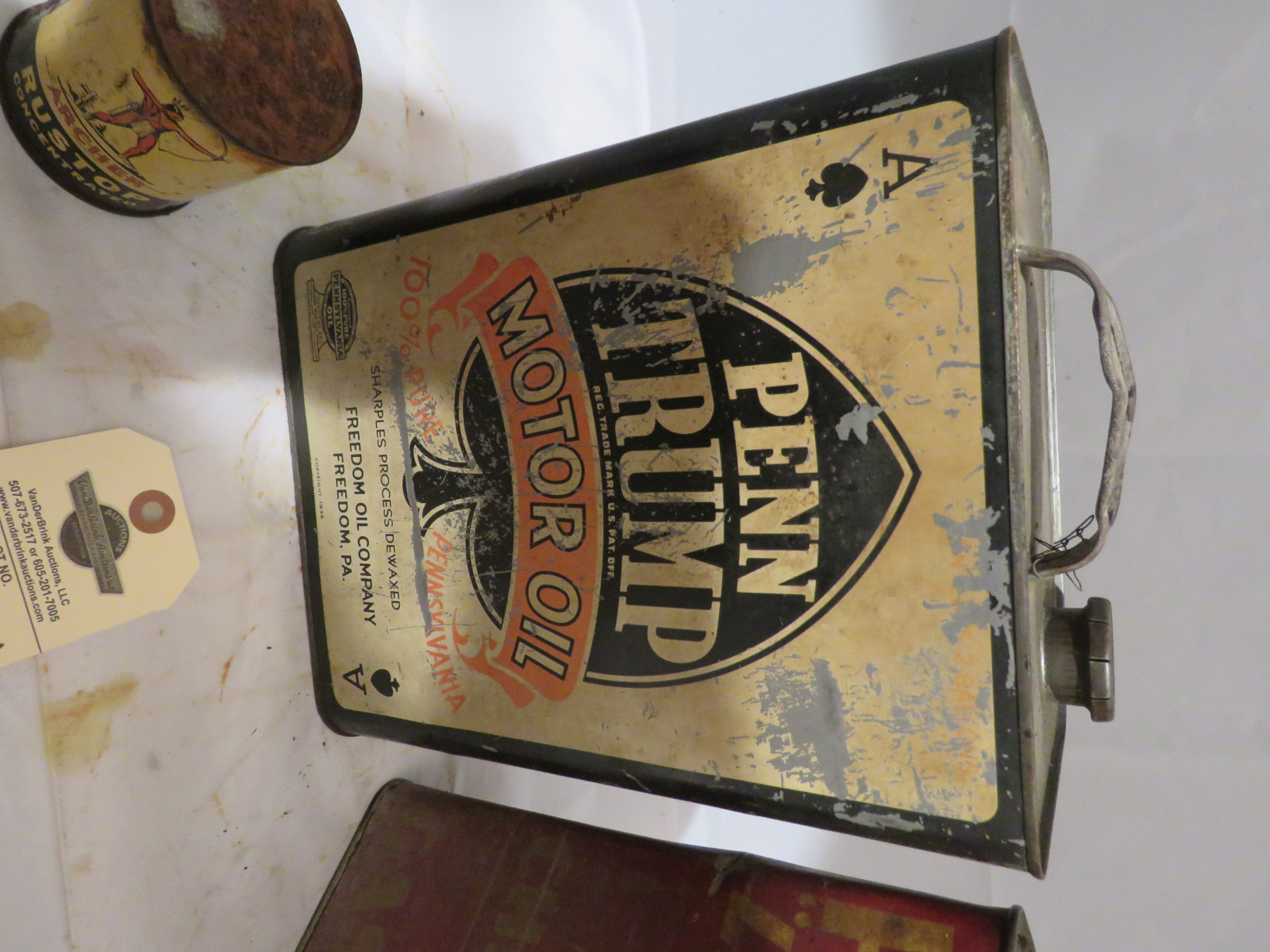 Vintage Oil Can Grouping - Image 2