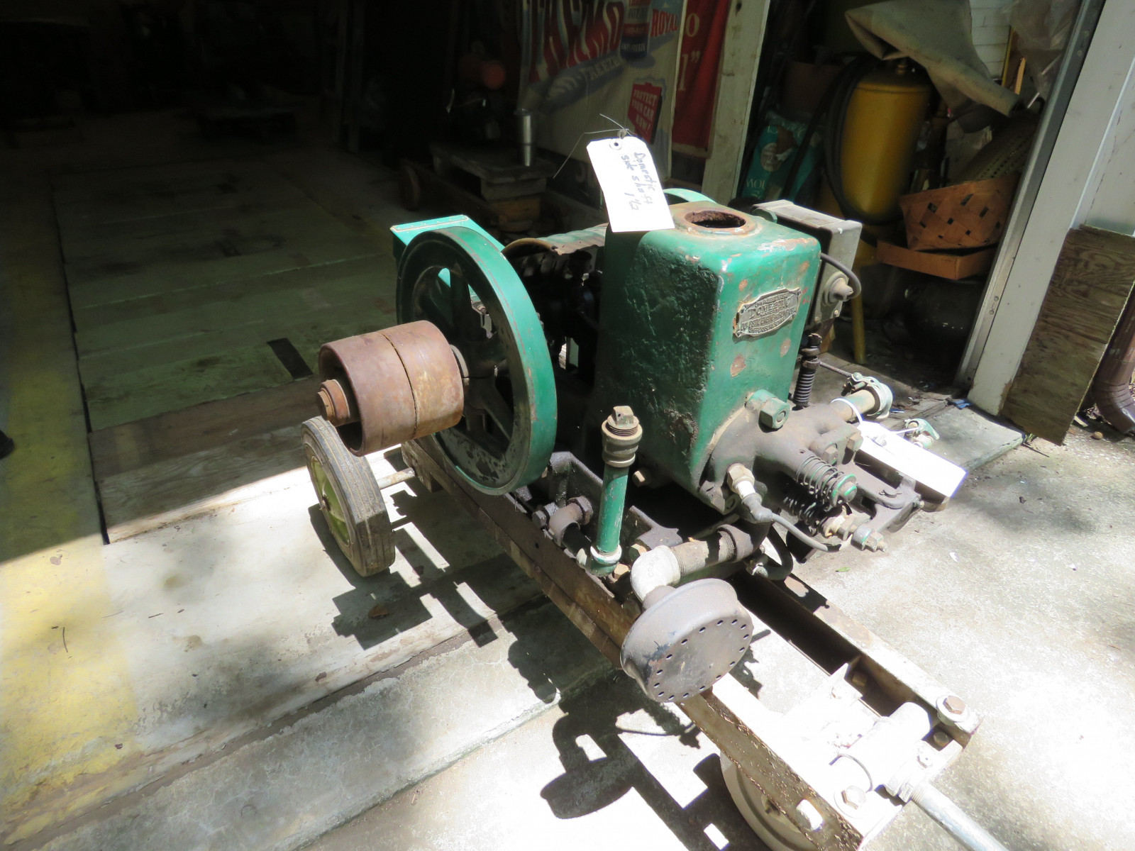 Domestic Side Shaft 1 1/2HP Stationary Gas Engine on Cart - Image 2