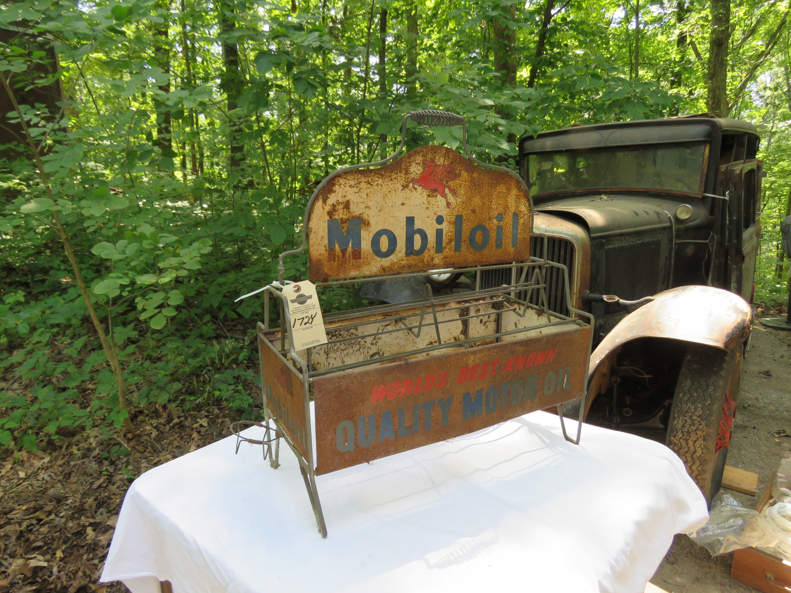 Painted Tin Mobil Oil Bottle Rack - Image 1